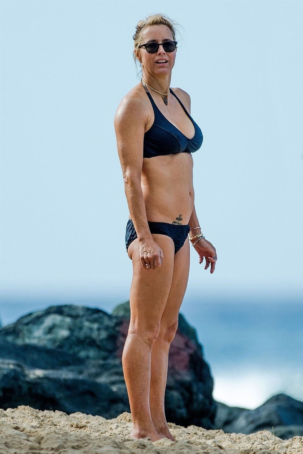 Tea Leoni Hits The Beach For Some Early Morning Sun In Barbados 0001