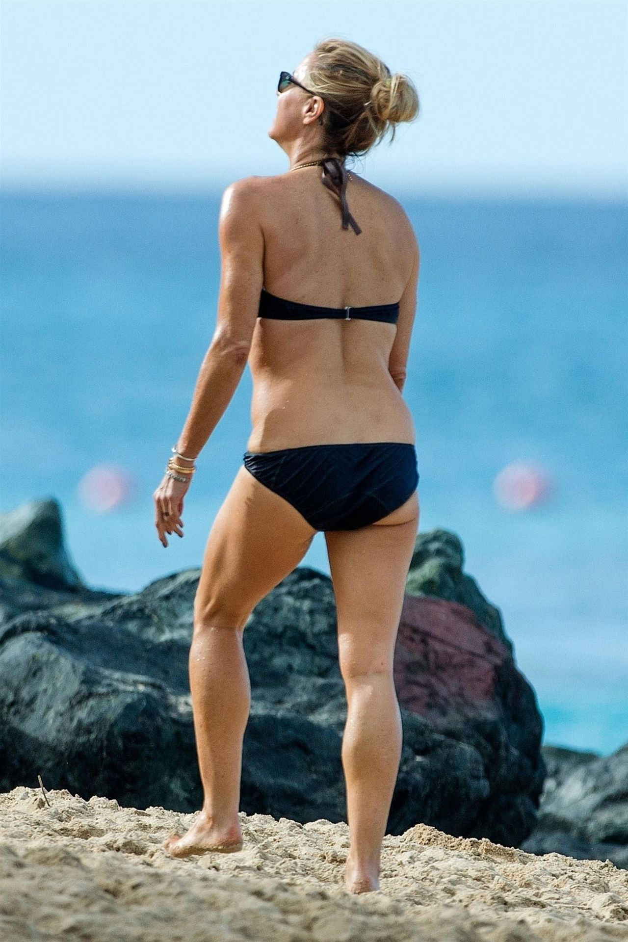 Tea Leoni Hits The Beach For Some Early Morning Sun In Barbados 0005