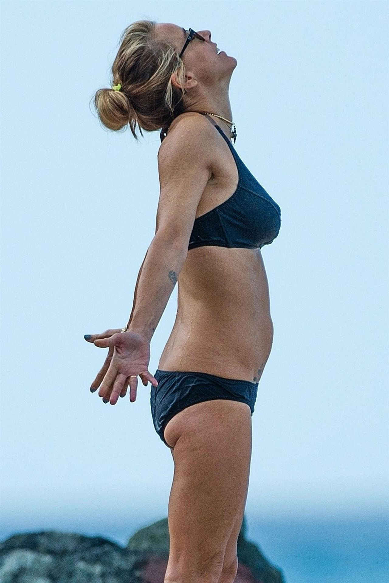 Tea Leoni Hits The Beach For Some Early Morning Sun In Barbados 0008