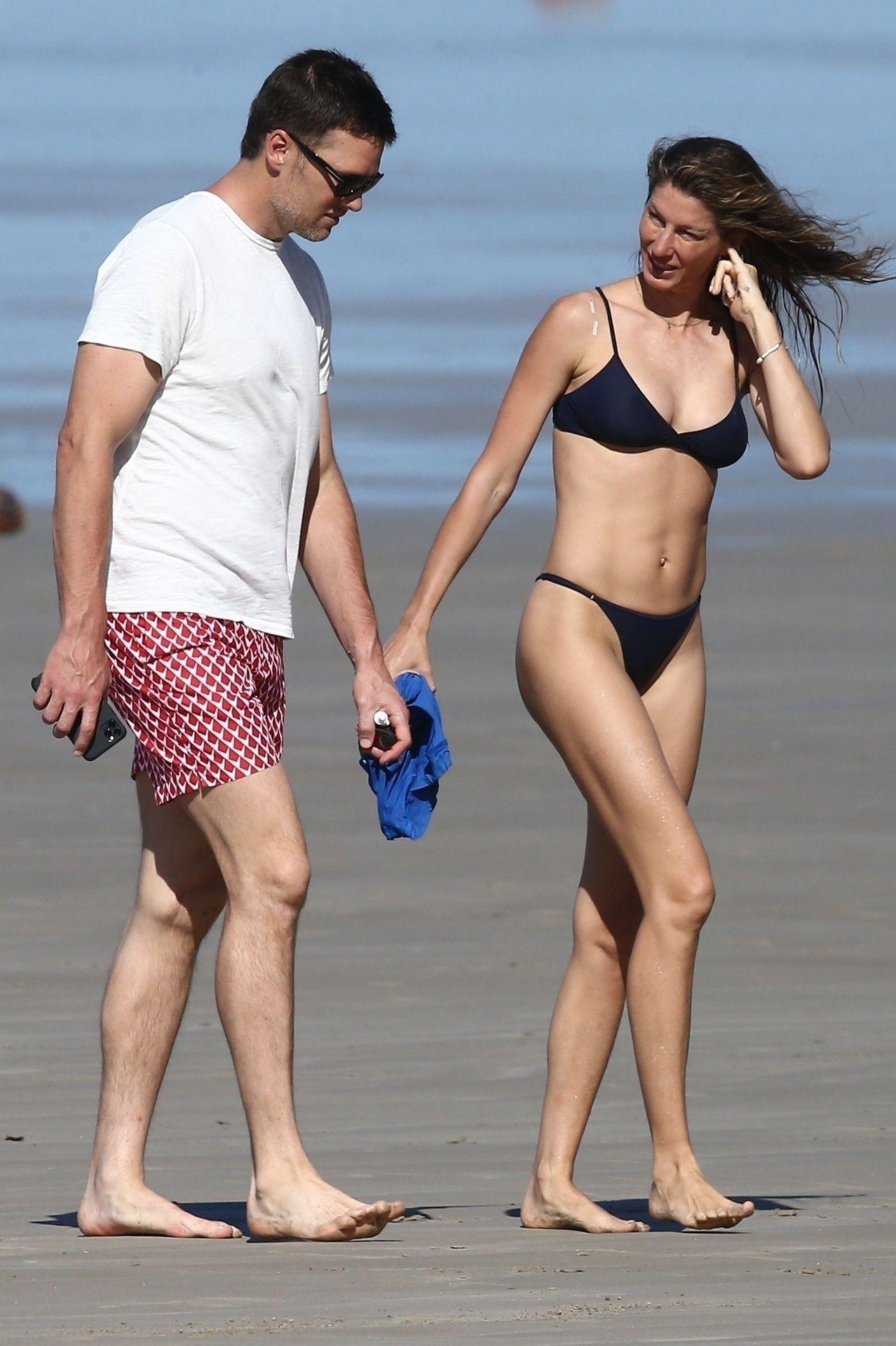 Tom Brady & Gisele Bundchen Pack On The Pda At The Beach 0001