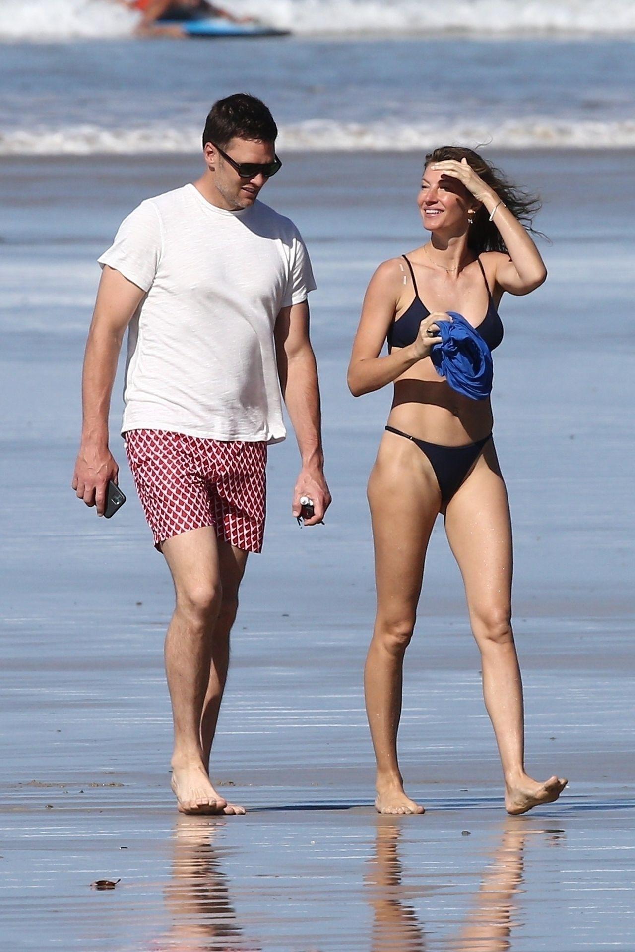 Tom Brady & Gisele Bundchen Pack On The Pda At The Beach 0016