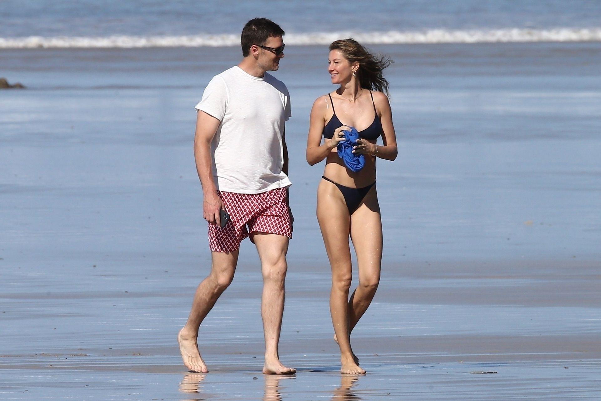 Tom Brady & Gisele Bundchen Pack On The Pda At The Beach 0017