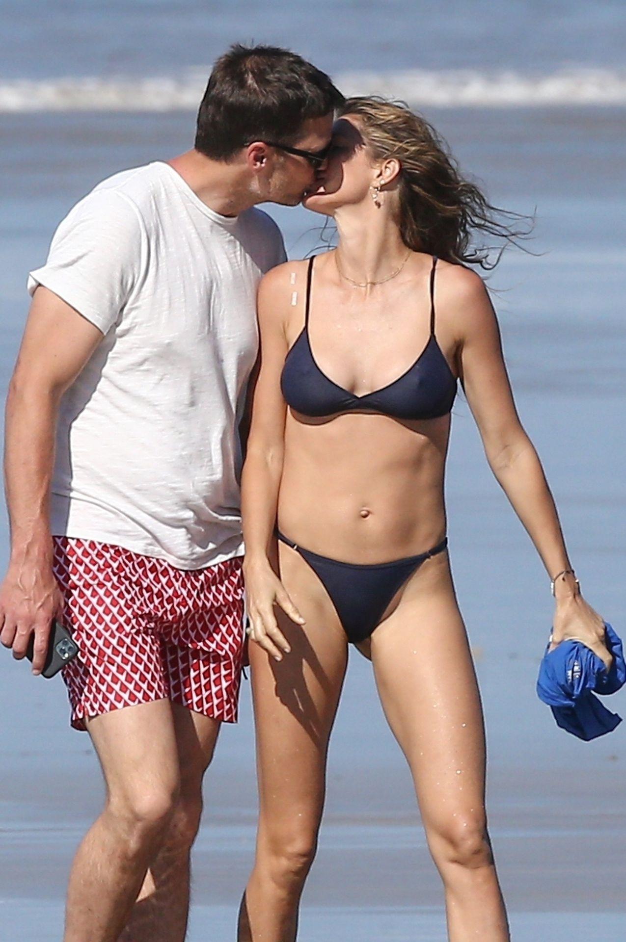 Tom Brady & Gisele Bundchen Pack On The Pda At The Beach 0028