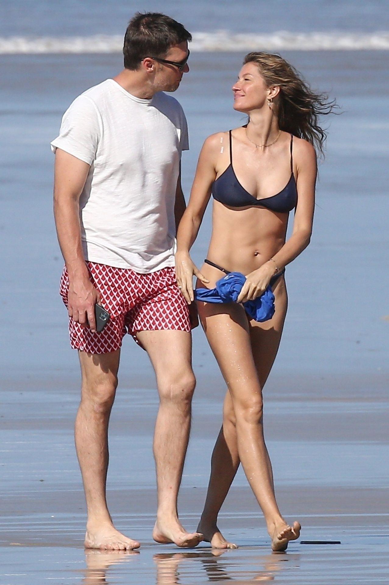 Tom Brady & Gisele Bundchen Pack On The Pda At The Beach 0029