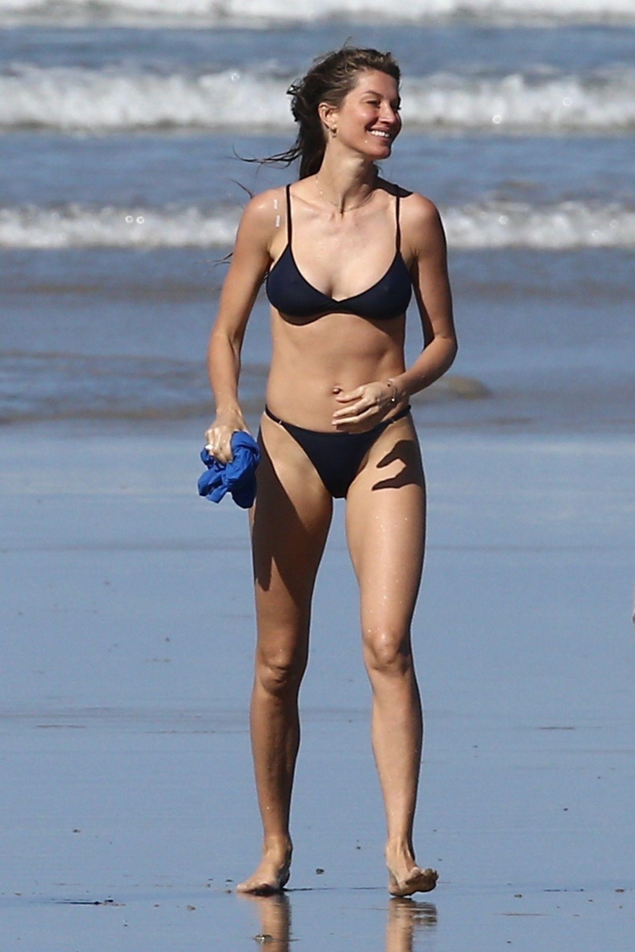 Tom Brady & Gisele Bundchen Pack On The Pda At The Beach 0030