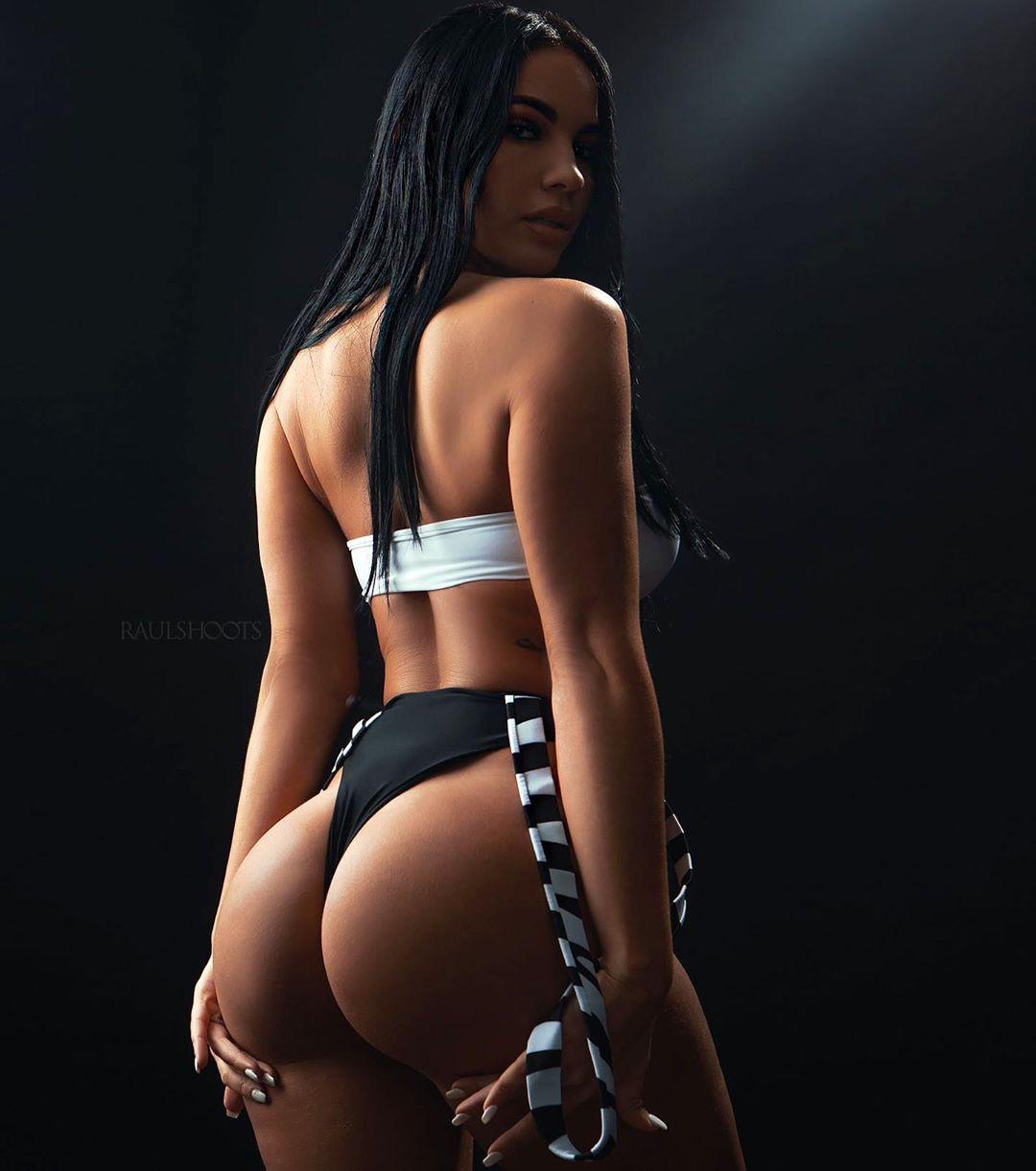 Yesy Naya Sexy 0002