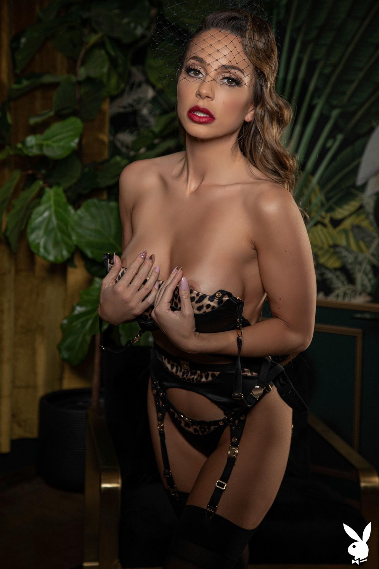 Abigail Mac Nude – Playboy 0001