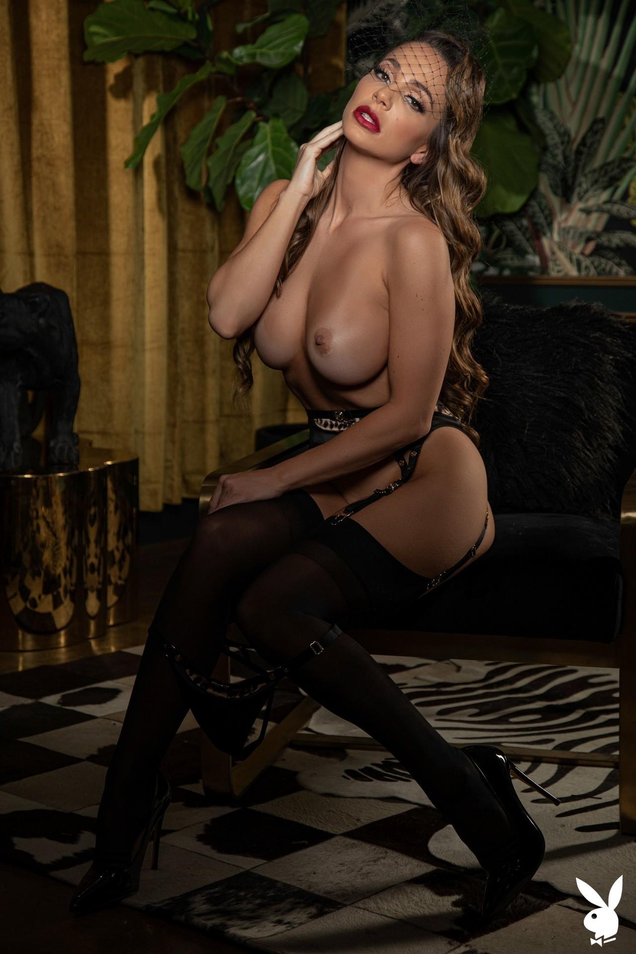 Abigail Mac Nude – Playboy 0002