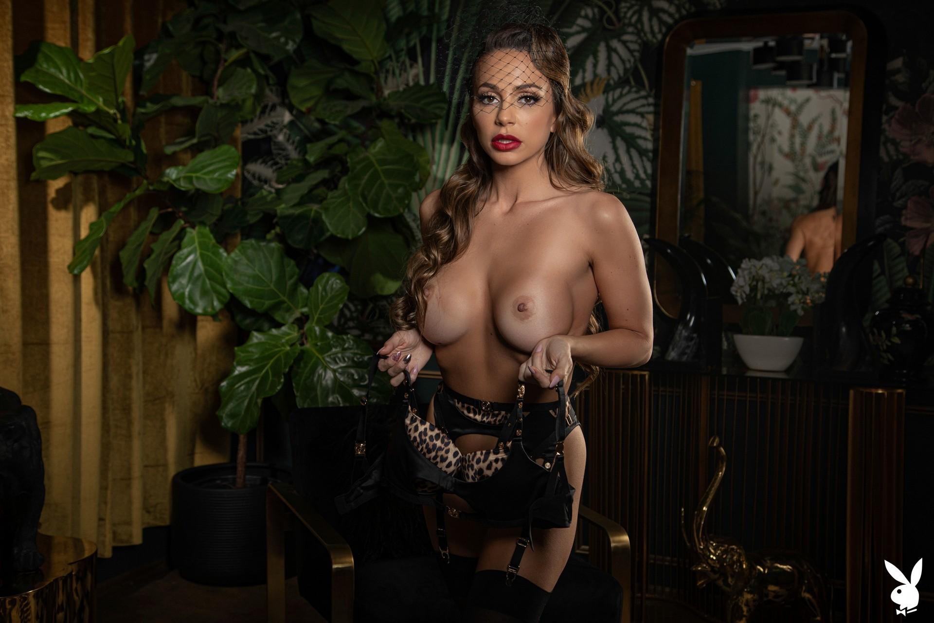 Abigail Mac Nude – Playboy 0004