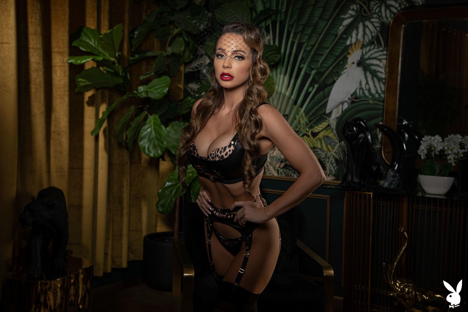 Abigail Mac Nude – Playboy 0008