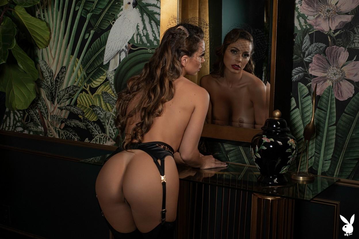 Abigail Mac Nude – Playboy 0010