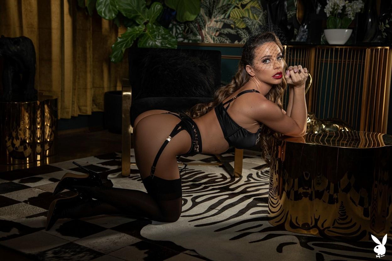 Abigail Mac Nude – Playboy 0011