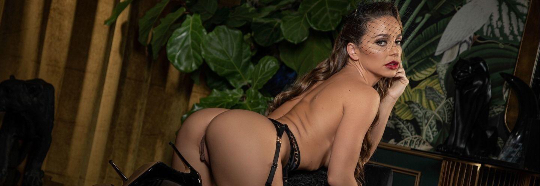 Abigail Mac Nude – Playboy 0025