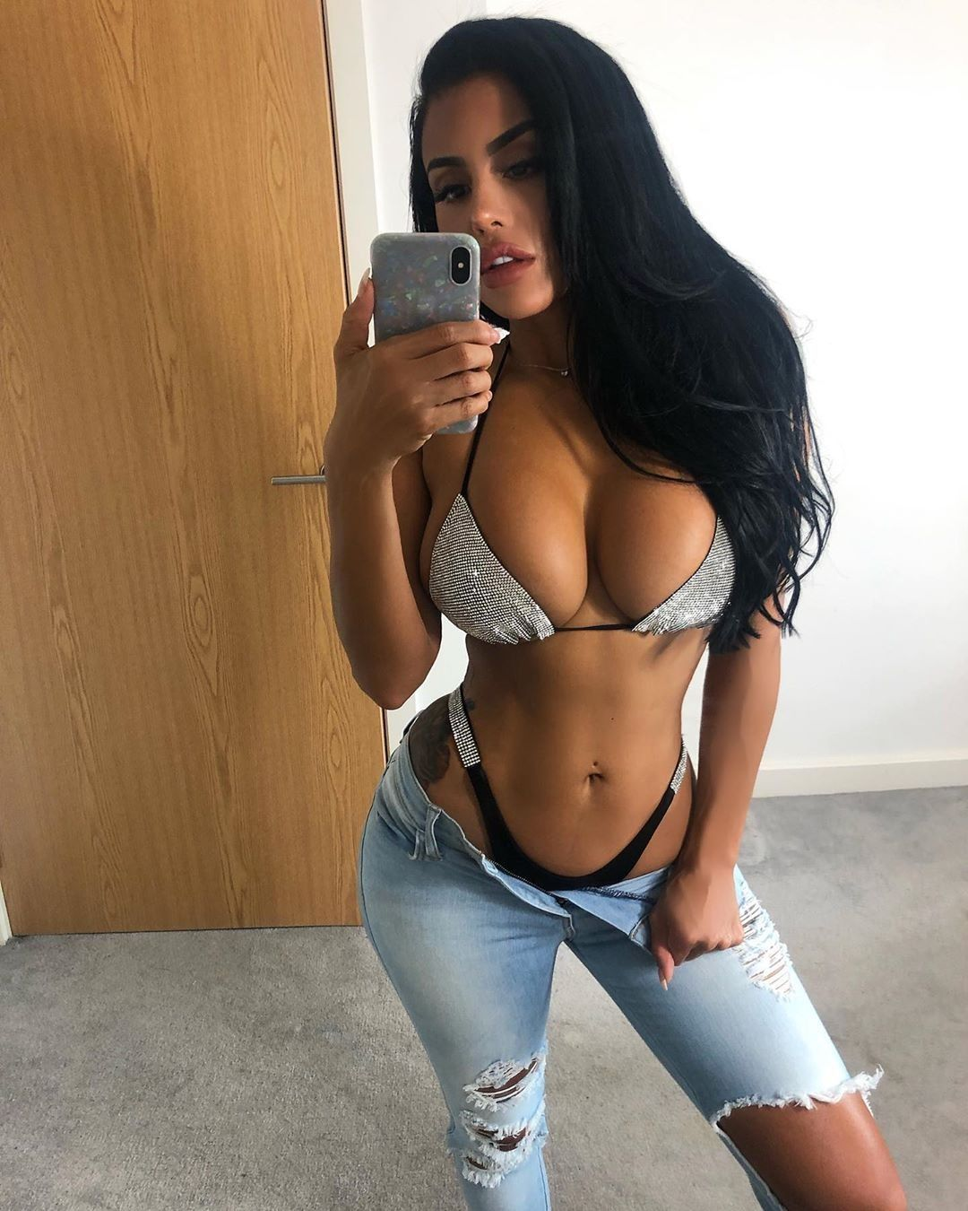 Chloe Saxon Nude & Sexy 0114
