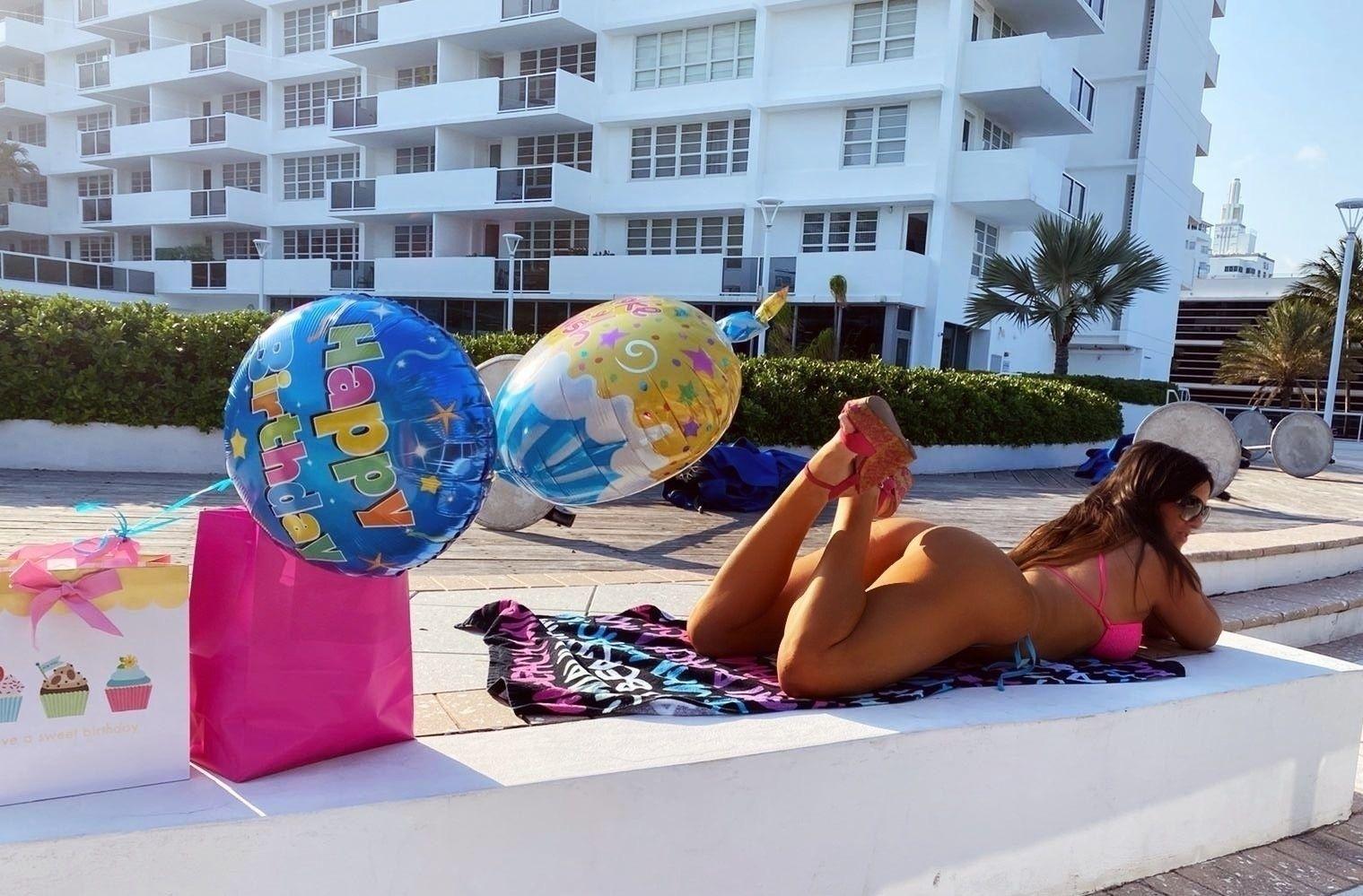 Claudia Romani Celebrates Her Birthday 0014
