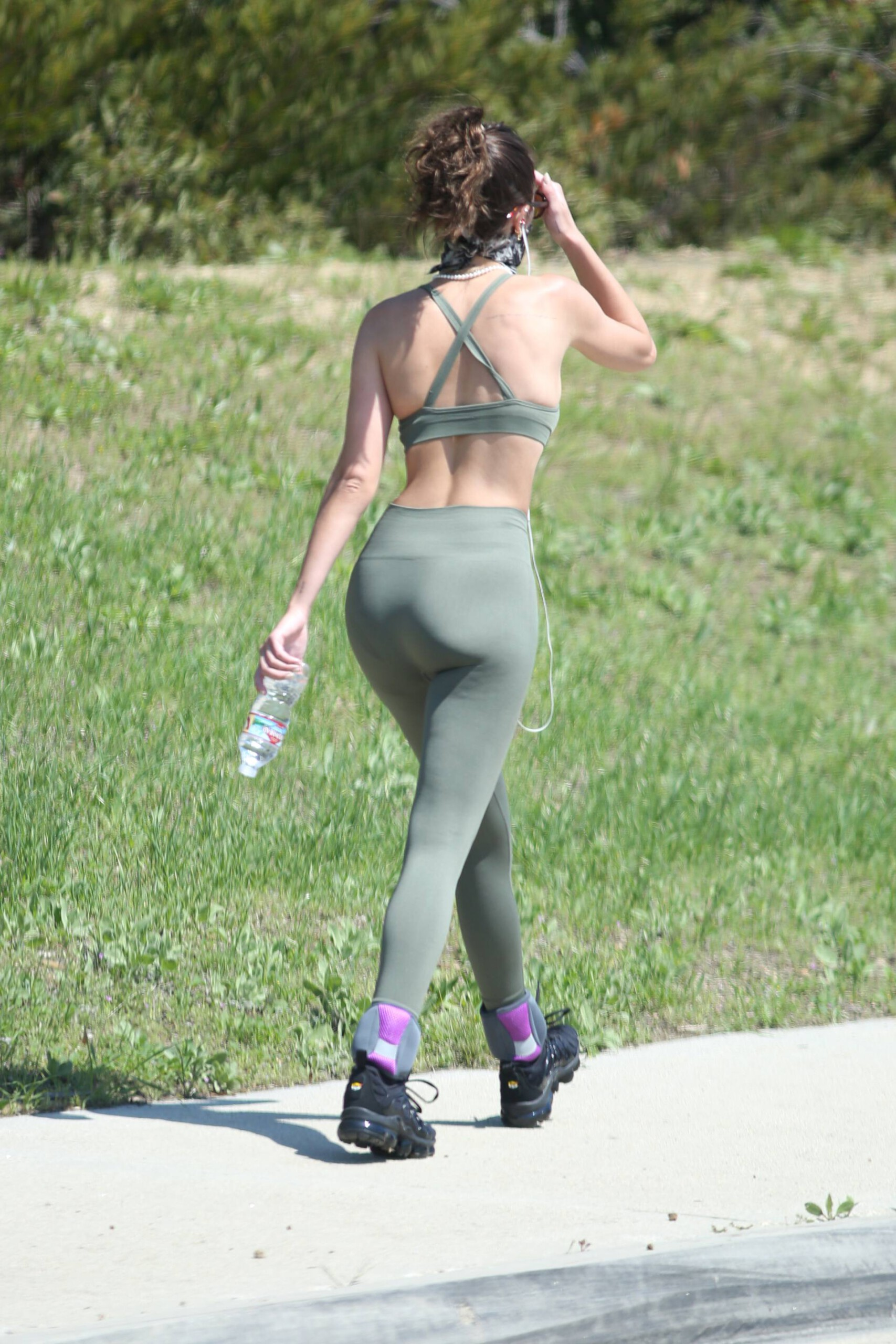 Delilah Belle Hamlin Sexy Ass In Leggings Out On Mulholland Drive In Beverly Hills 0009