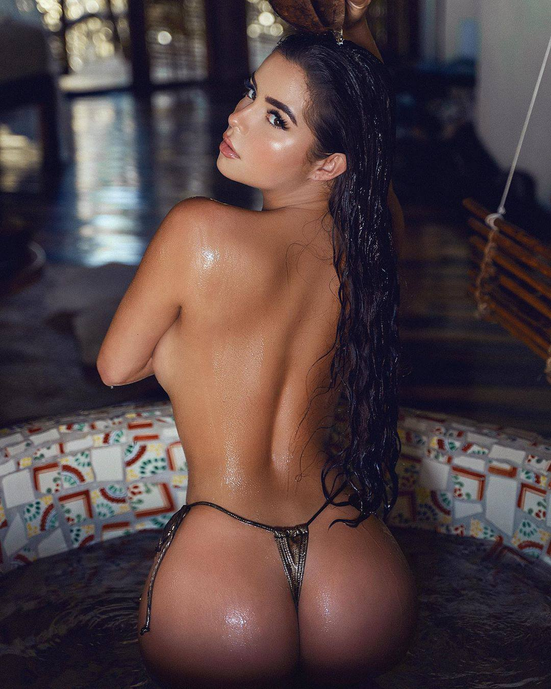 Demi Rose Mawby Magnificent Curvy Body In Sexy Topless Photoshoot 0002
