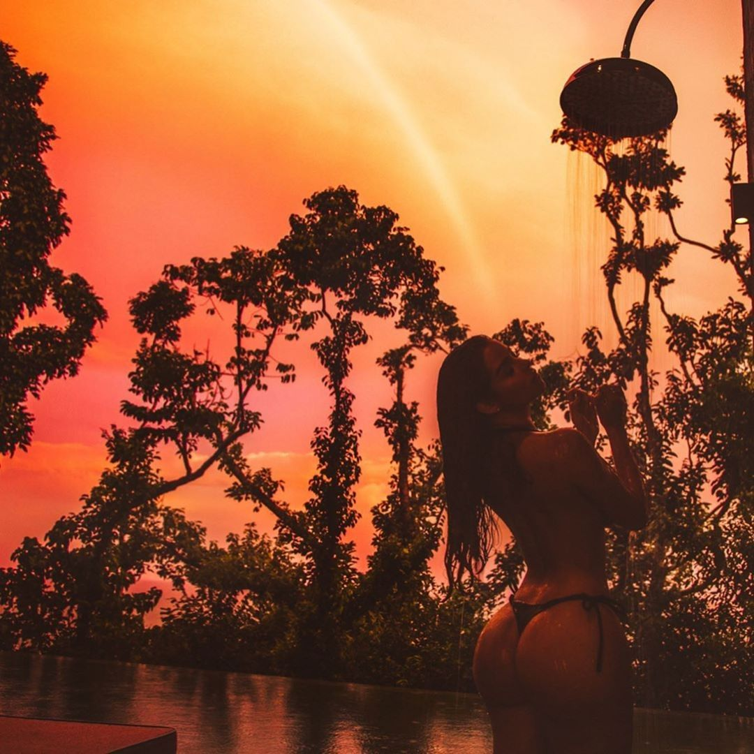 Demi Rose Nude & Sexy 0071