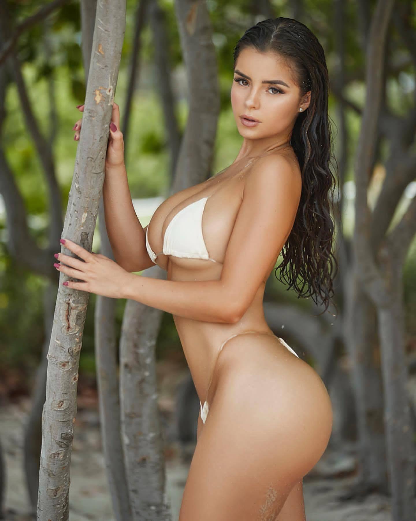 Demi Rose Nude & Sexy 0079