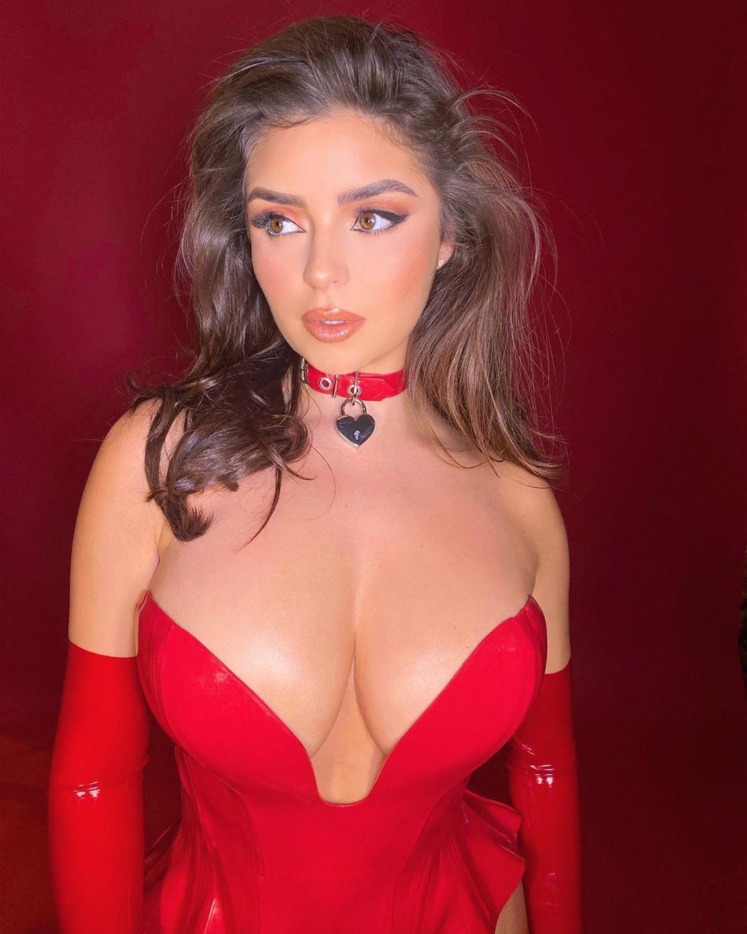 Demi Rose Nude & Sexy 0080