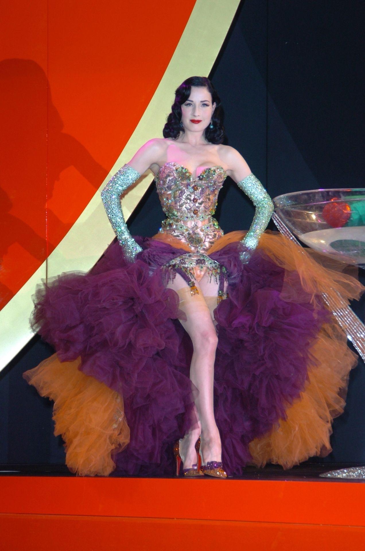 Dita Von Teese Performs At Erotica 06 In London 0005