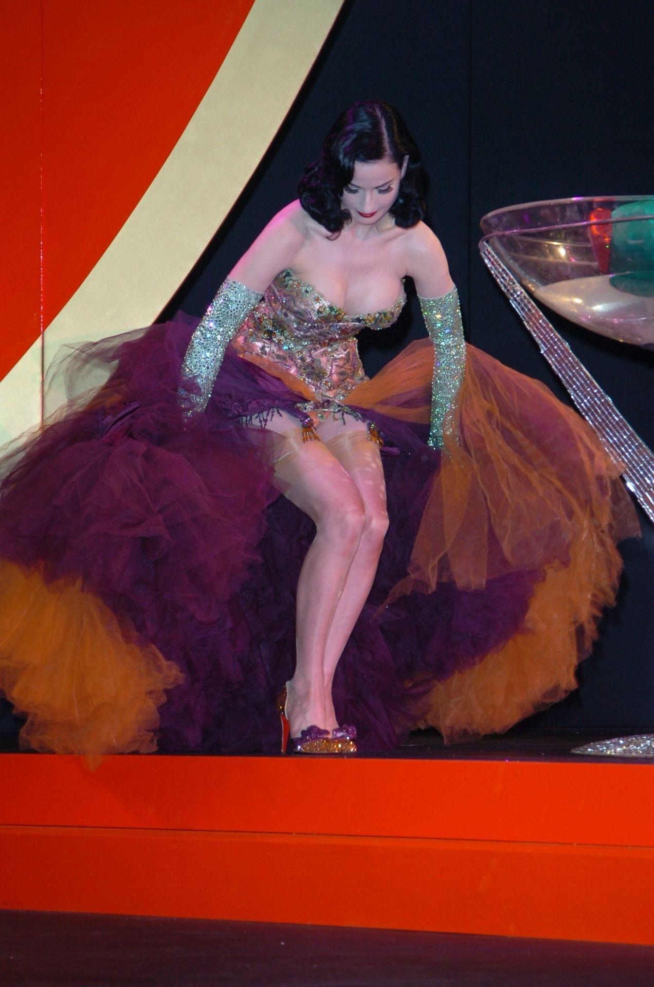 Dita Von Teese Performs At Erotica 06 In London 0008
