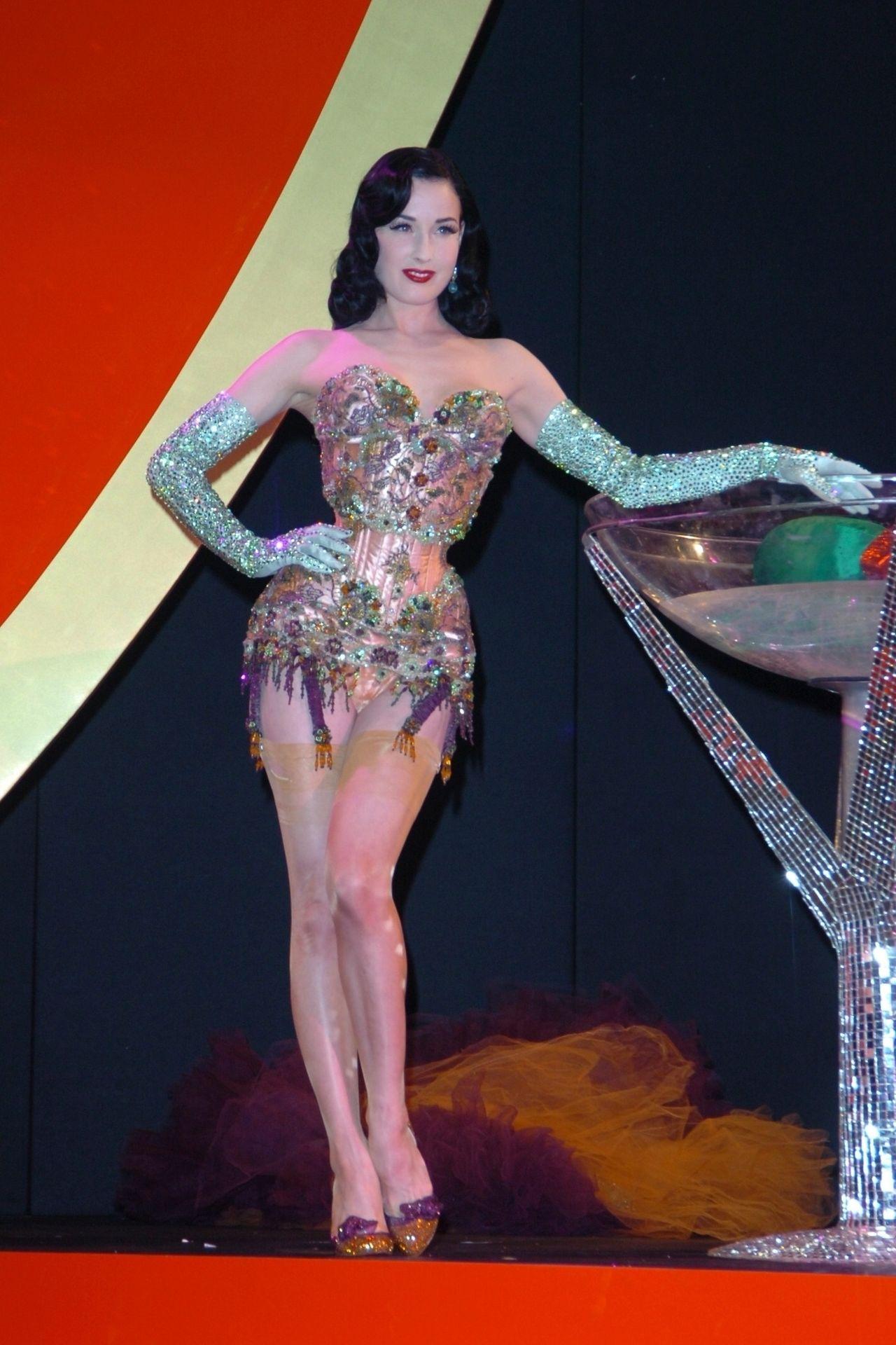 Dita Von Teese Performs At Erotica 06 In London 0011
