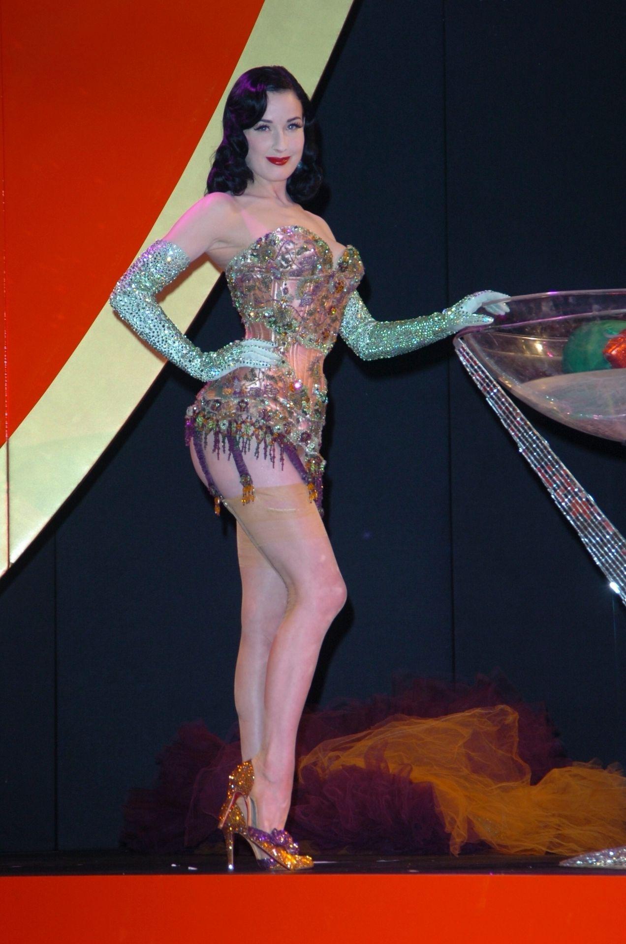 Dita Von Teese Performs At Erotica 06 In London 0017