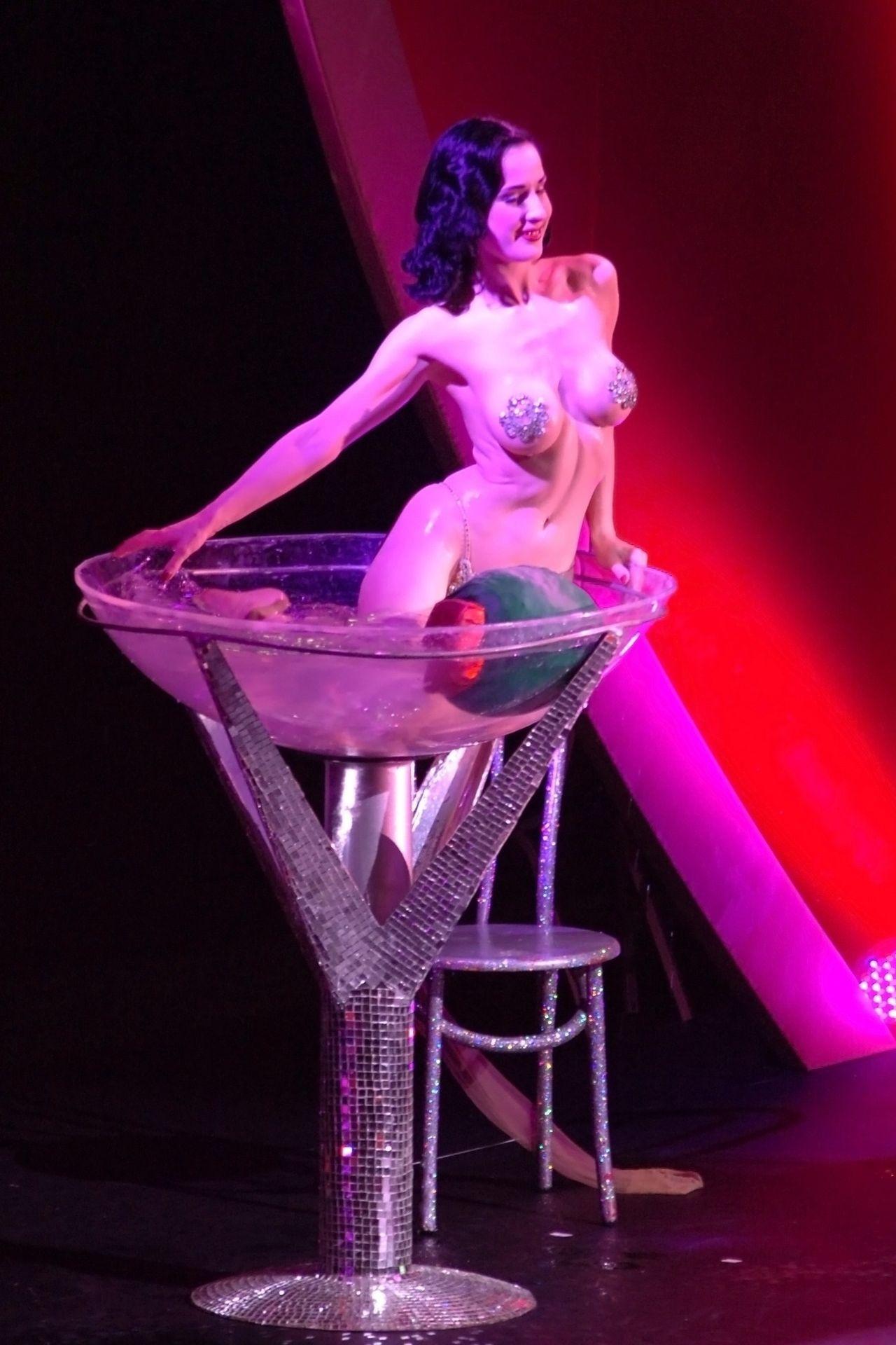 Dita Von Teese Performs At Erotica 06 In London 0034