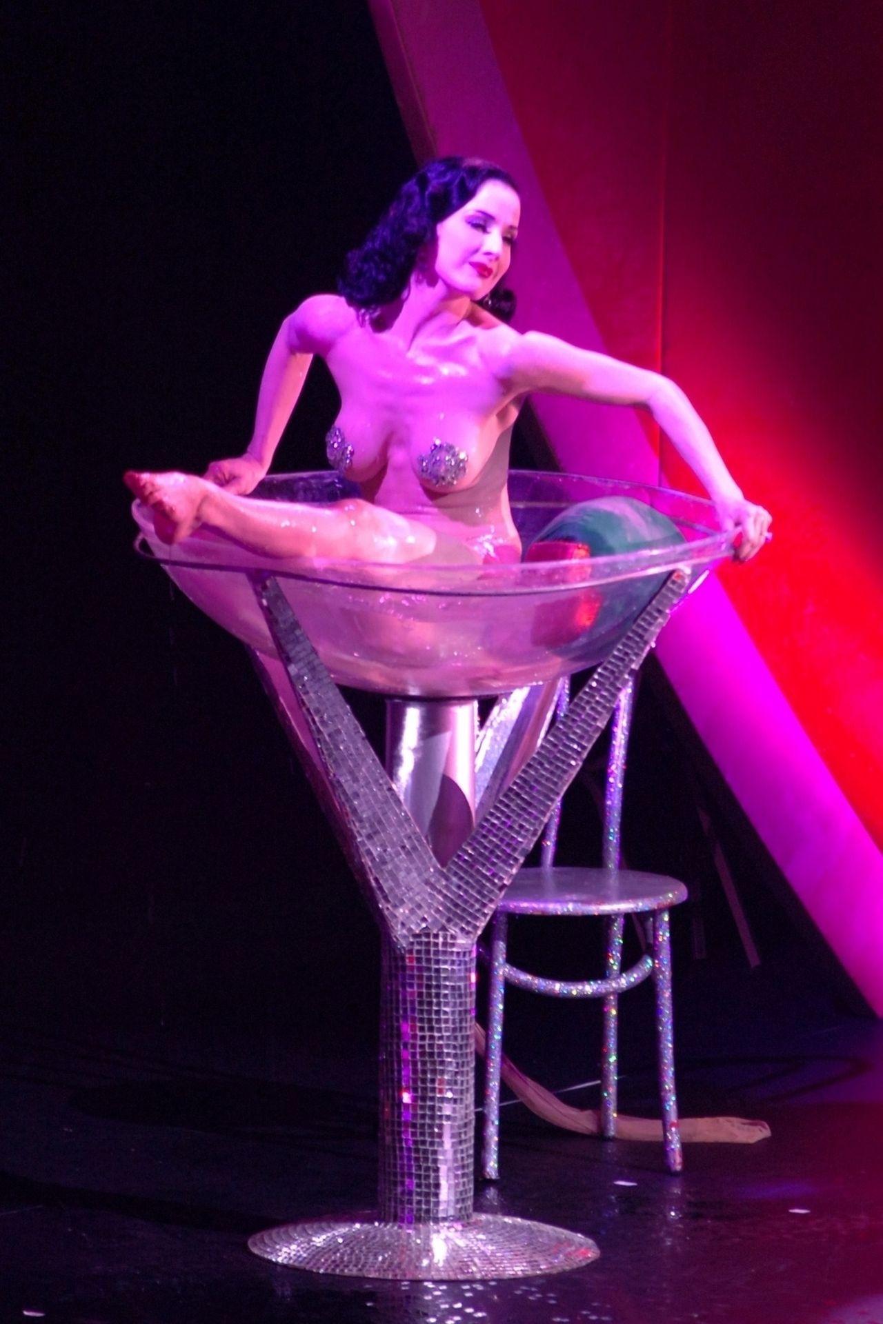 Dita Von Teese Performs At Erotica 06 In London 0037