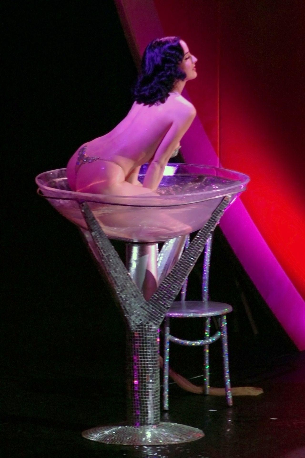 Dita Von Teese Performs At Erotica 06 In London 0038