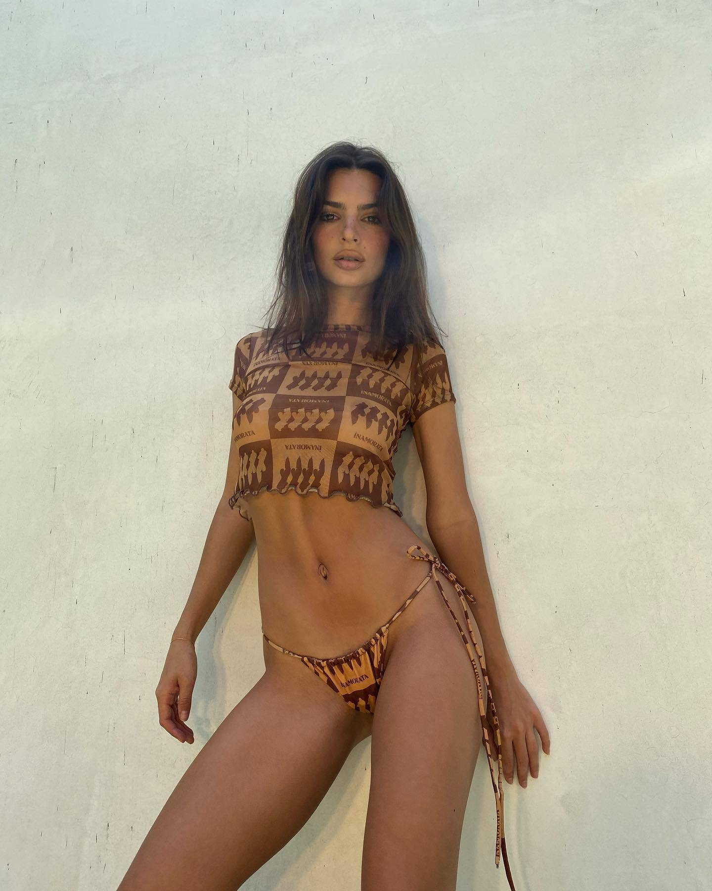 Emily Ratajkowski – Beautiful Ass And Braless Boobs In Sexy Inamorata Photoshoot 0002