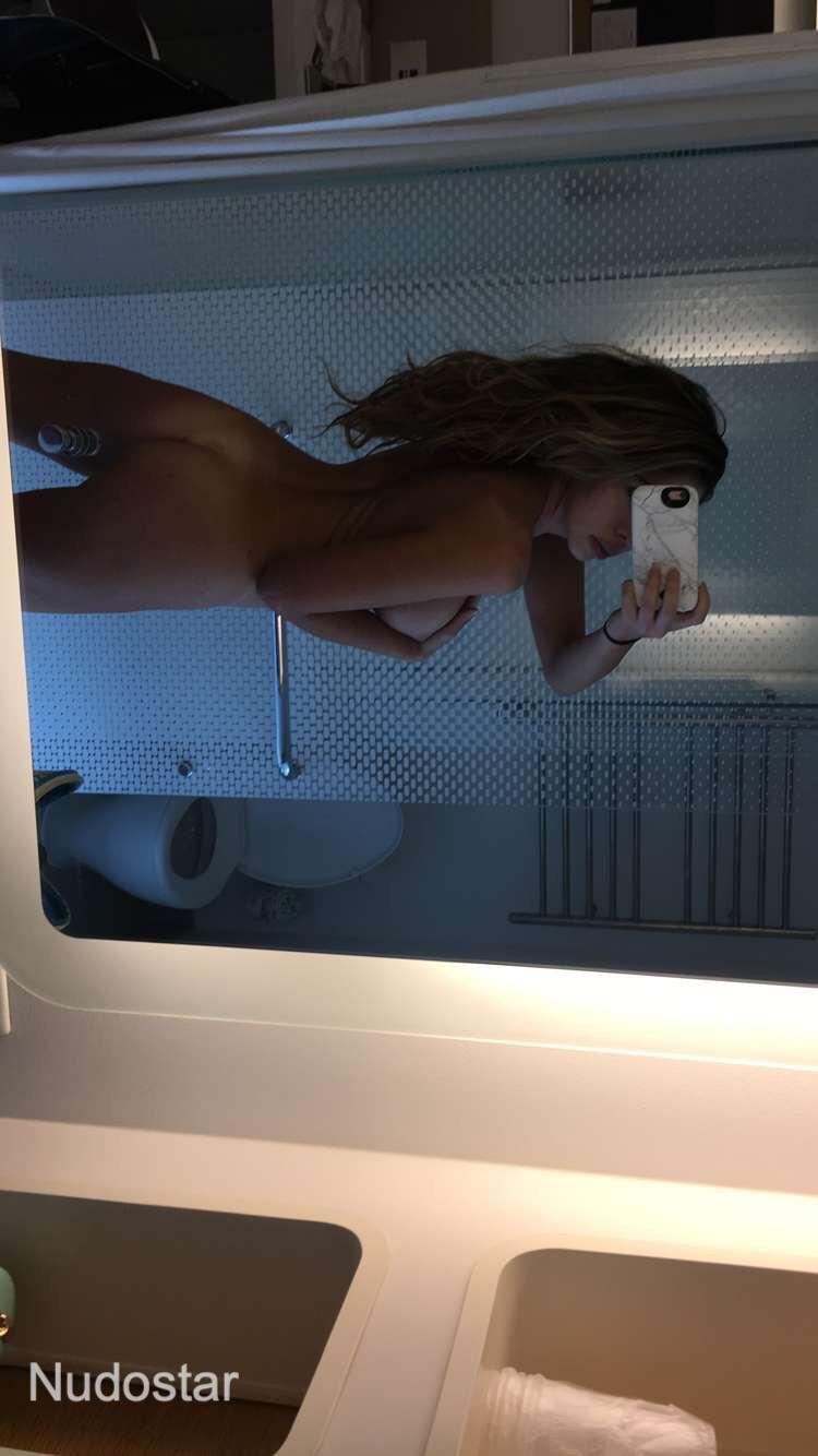 Emmy Elliott Onlyfans Nude Photos Leaks 0008