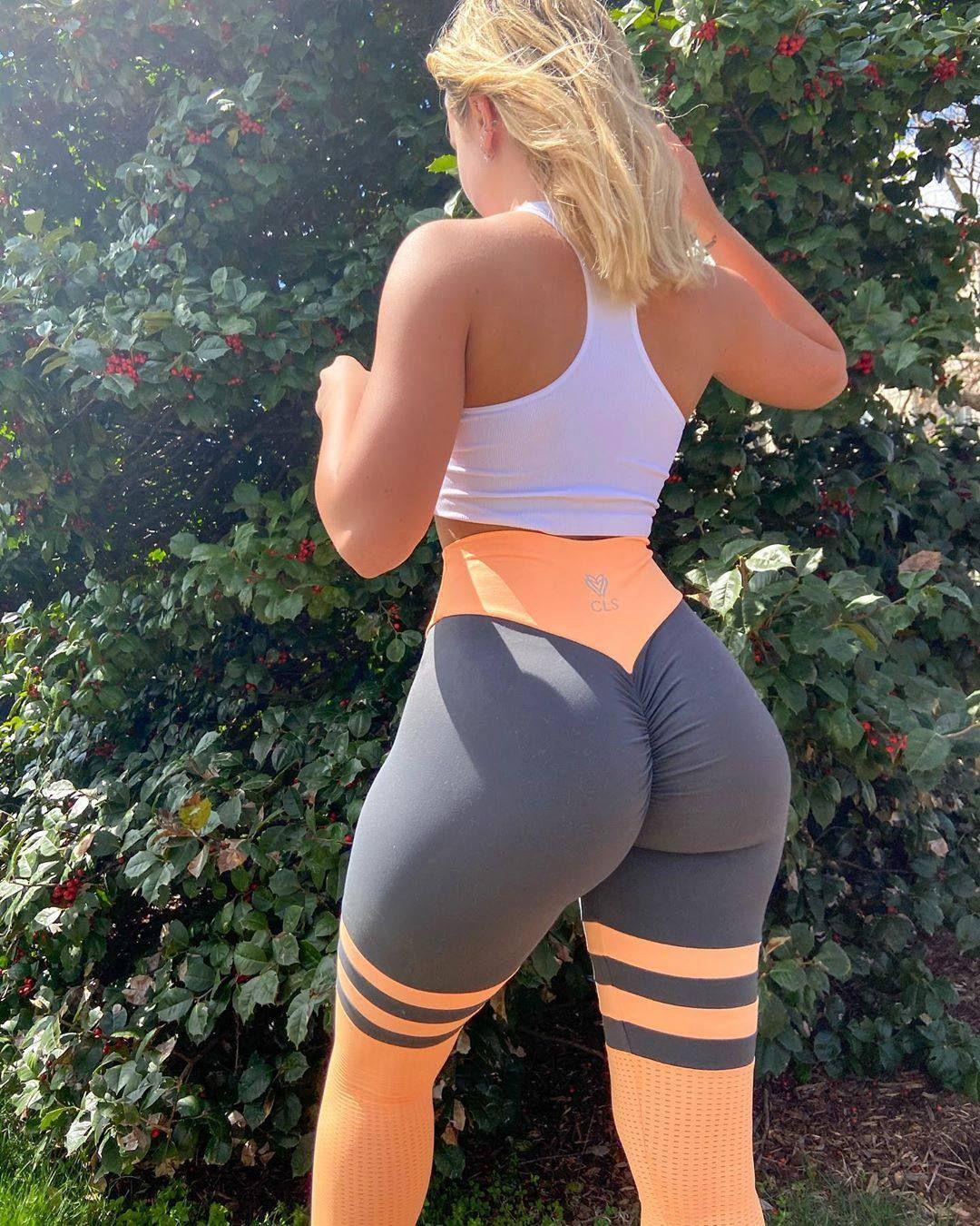 Jenni Niemaann Sexy & Topless 0015