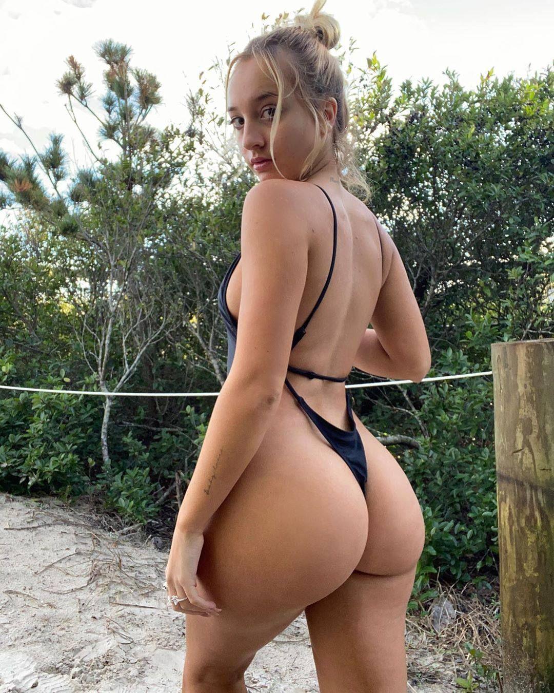Jenni Niemaann Sexy & Topless 0021