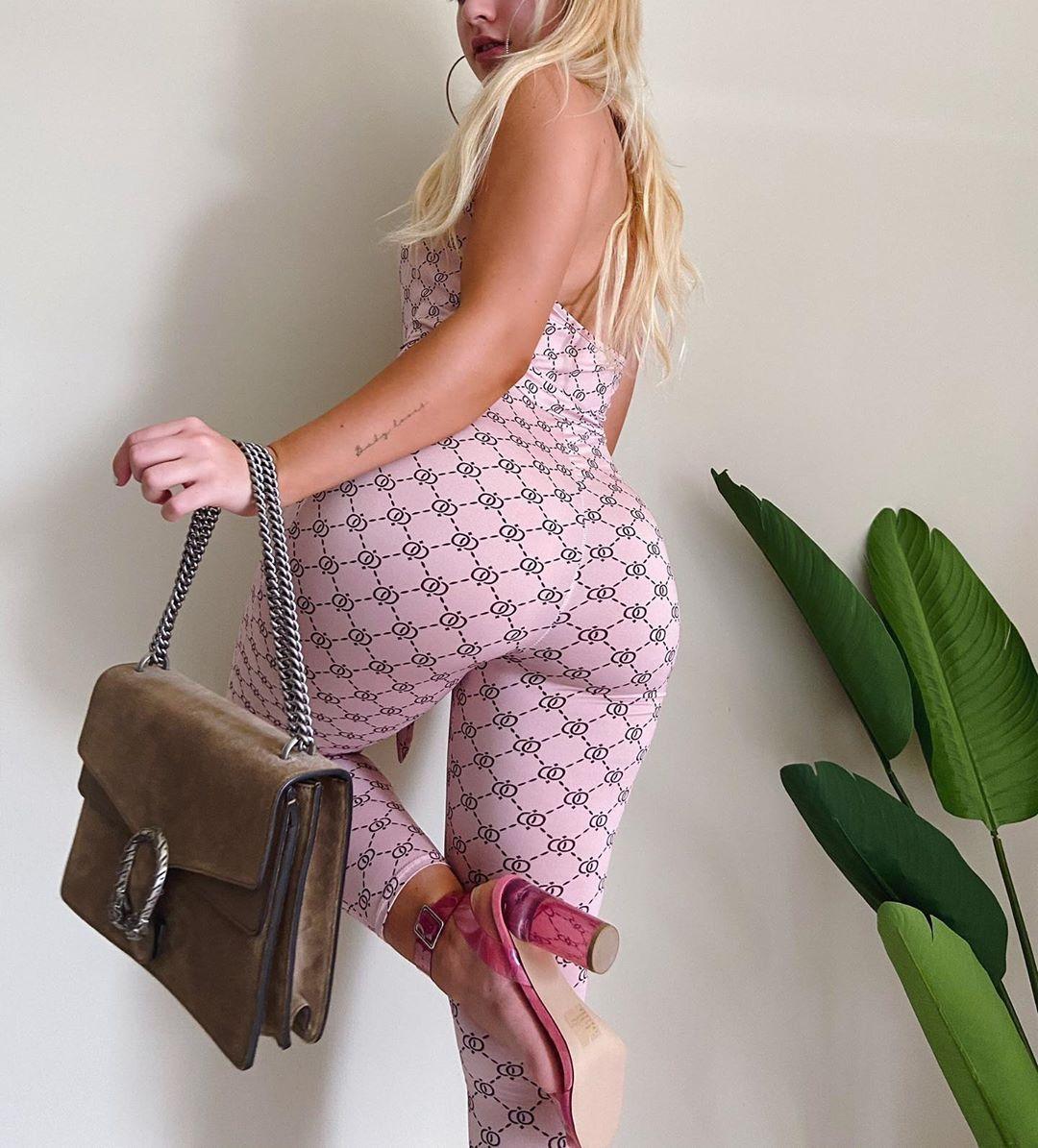 Jenni Niemaann Sexy & Topless 0058
