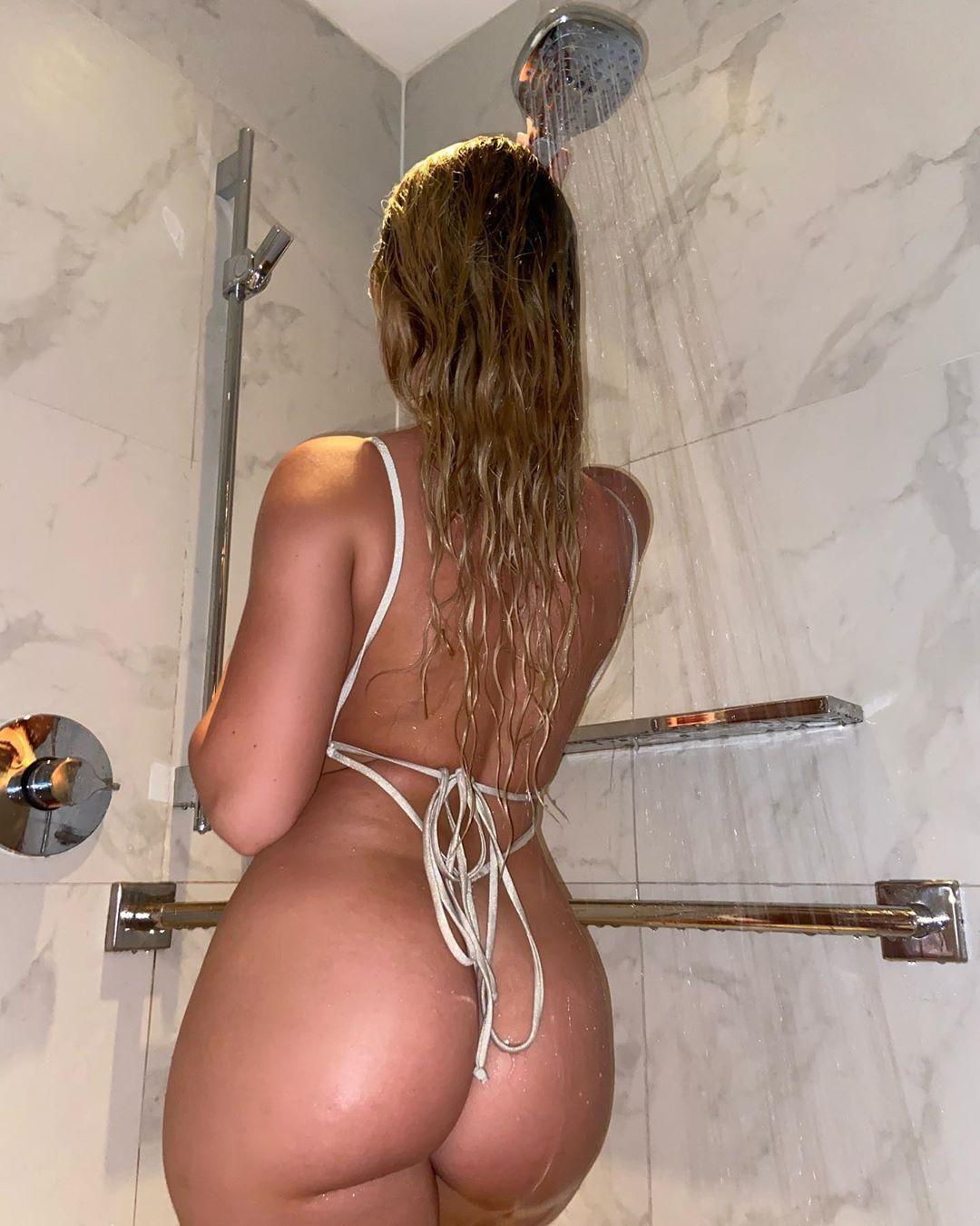 Jenni Niemaann Sexy & Topless 0078