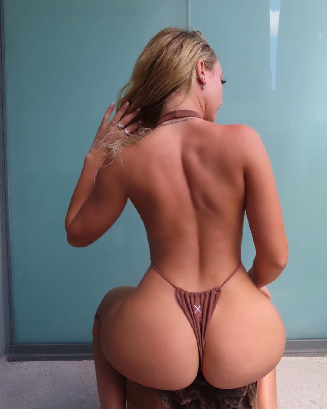 Jenni Niemaann Sexy & Topless 0114