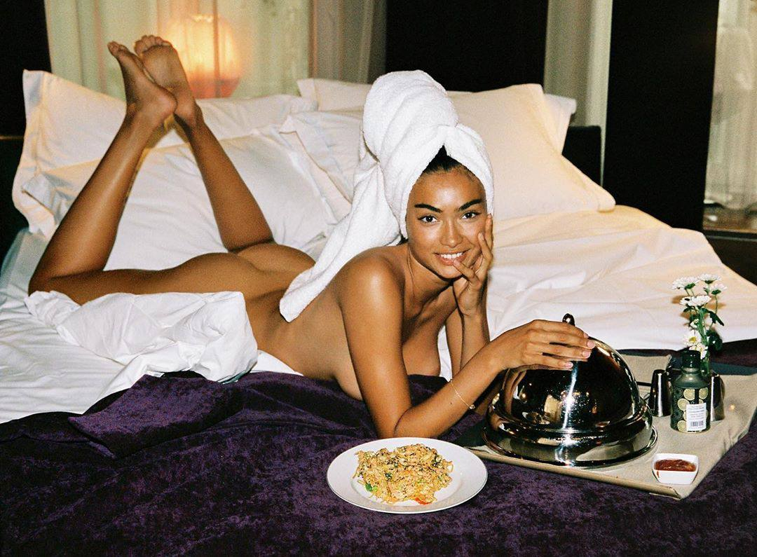 Kelly Gale Sexy Ass And Boobs In Naked Photoshoot 0002