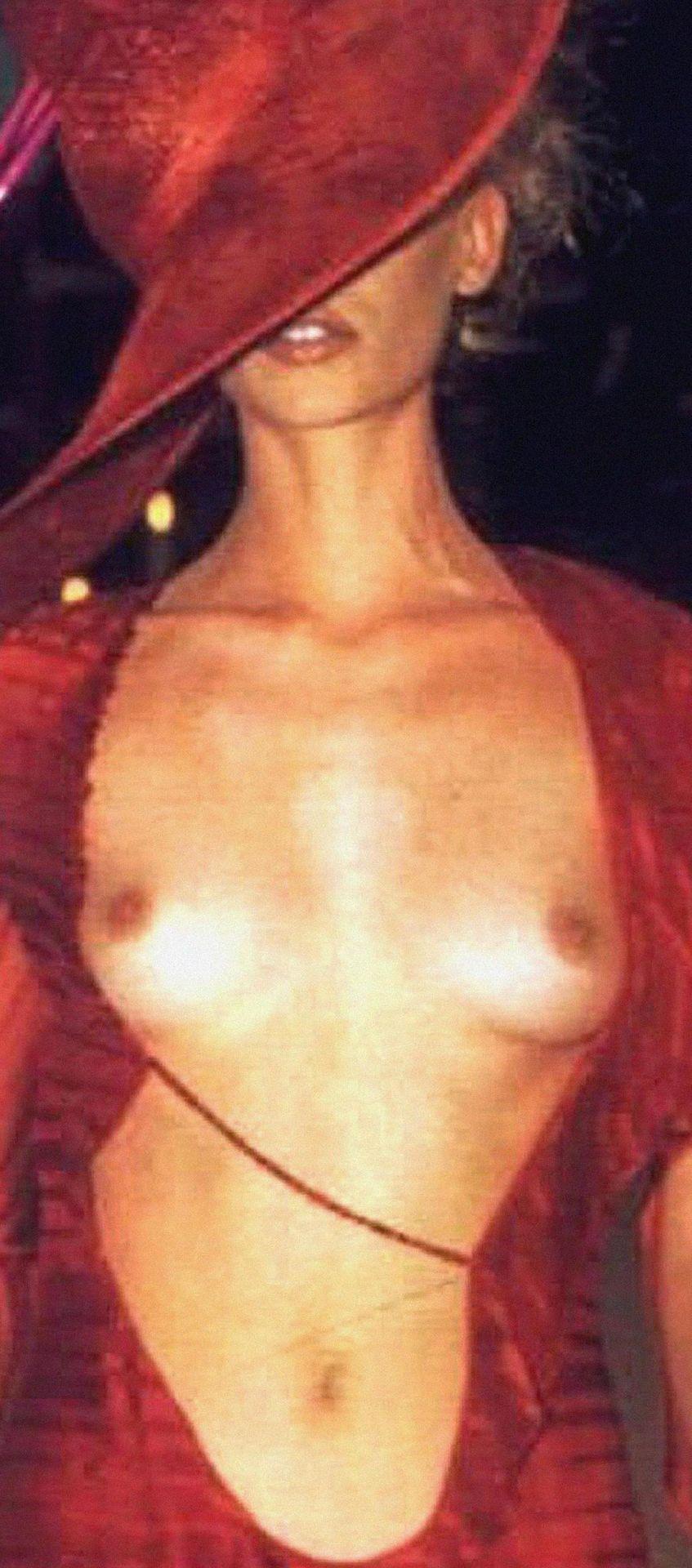 Kylie Minogue Nude 0012