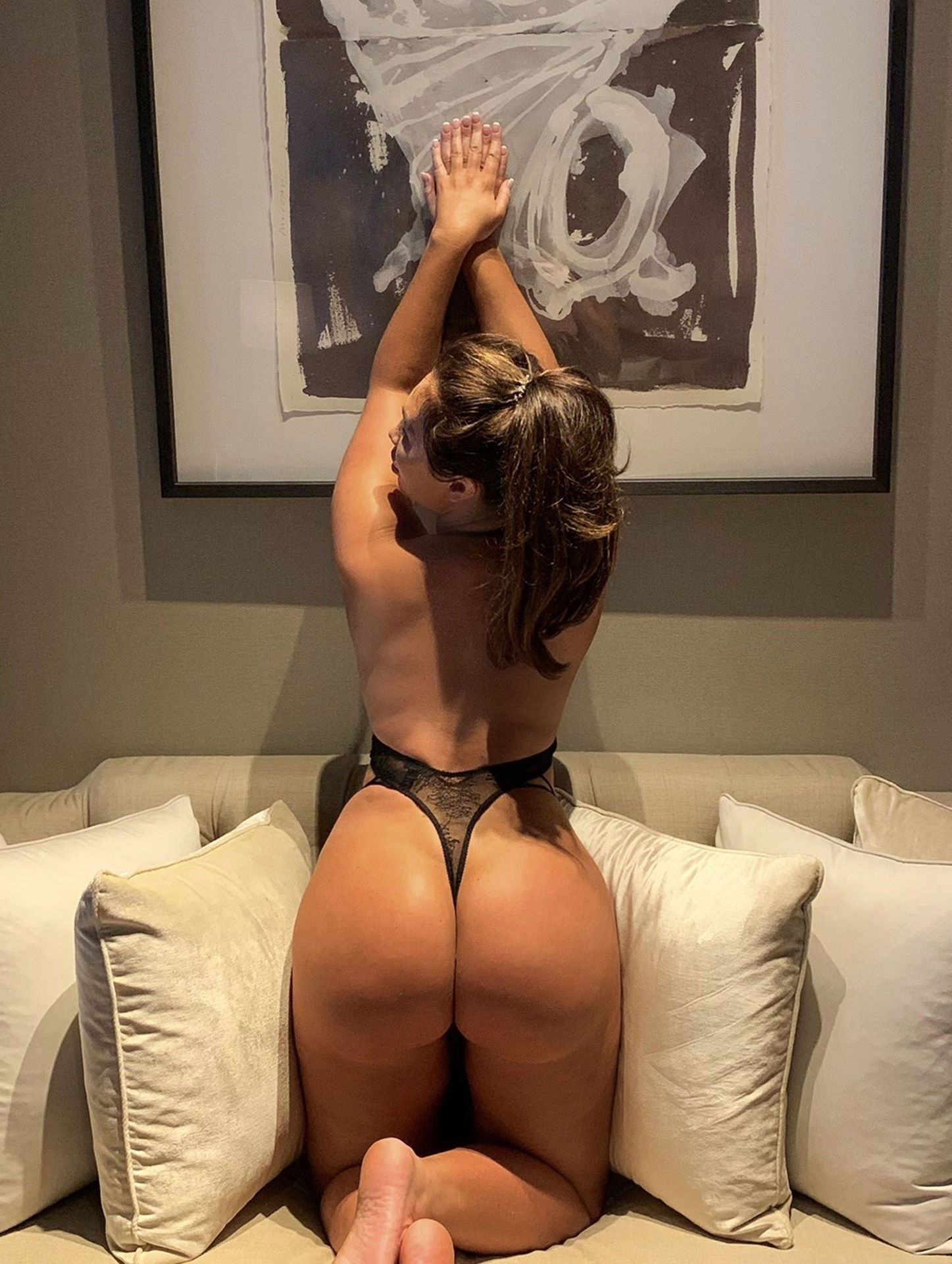 Lauren Goodger Pictured Showing Off Her Ass At Home In Essex 0001