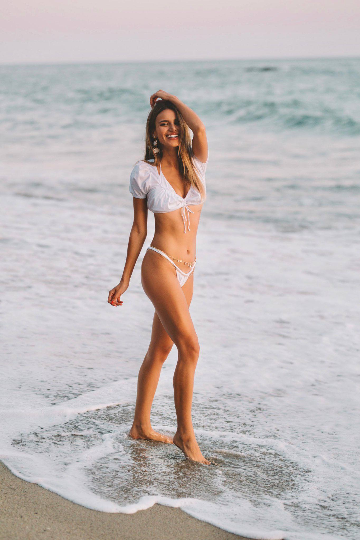 Madison Reed Sexy Body In Beach Photoshoot By Daniel Poplawsky 0001