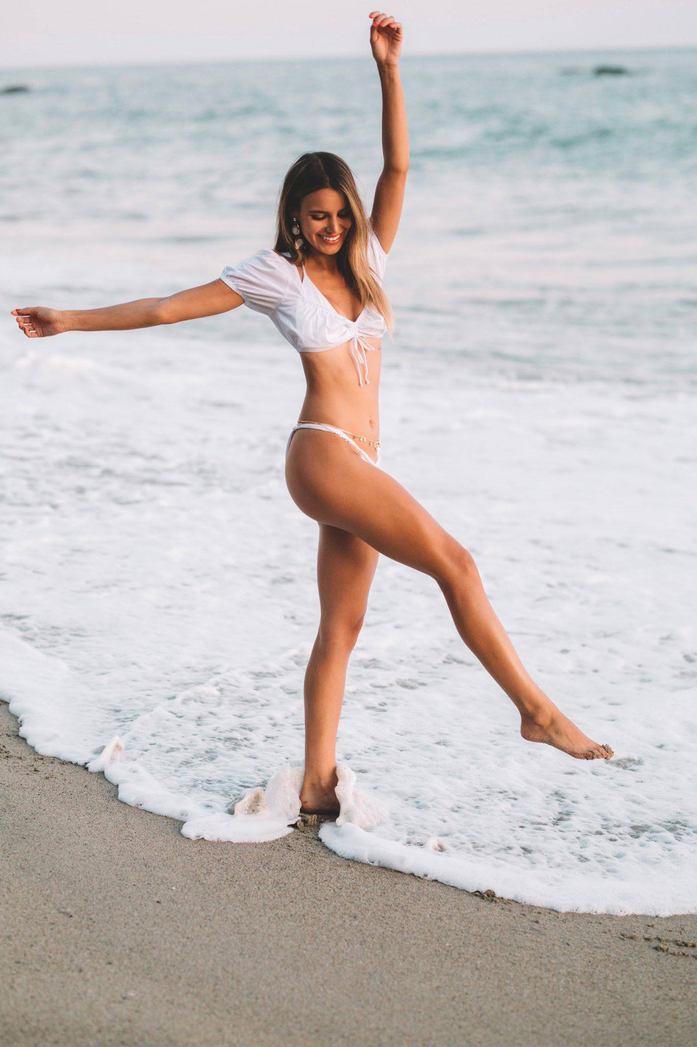 Madison Reed Sexy Body In Beach Photoshoot By Daniel Poplawsky 0003