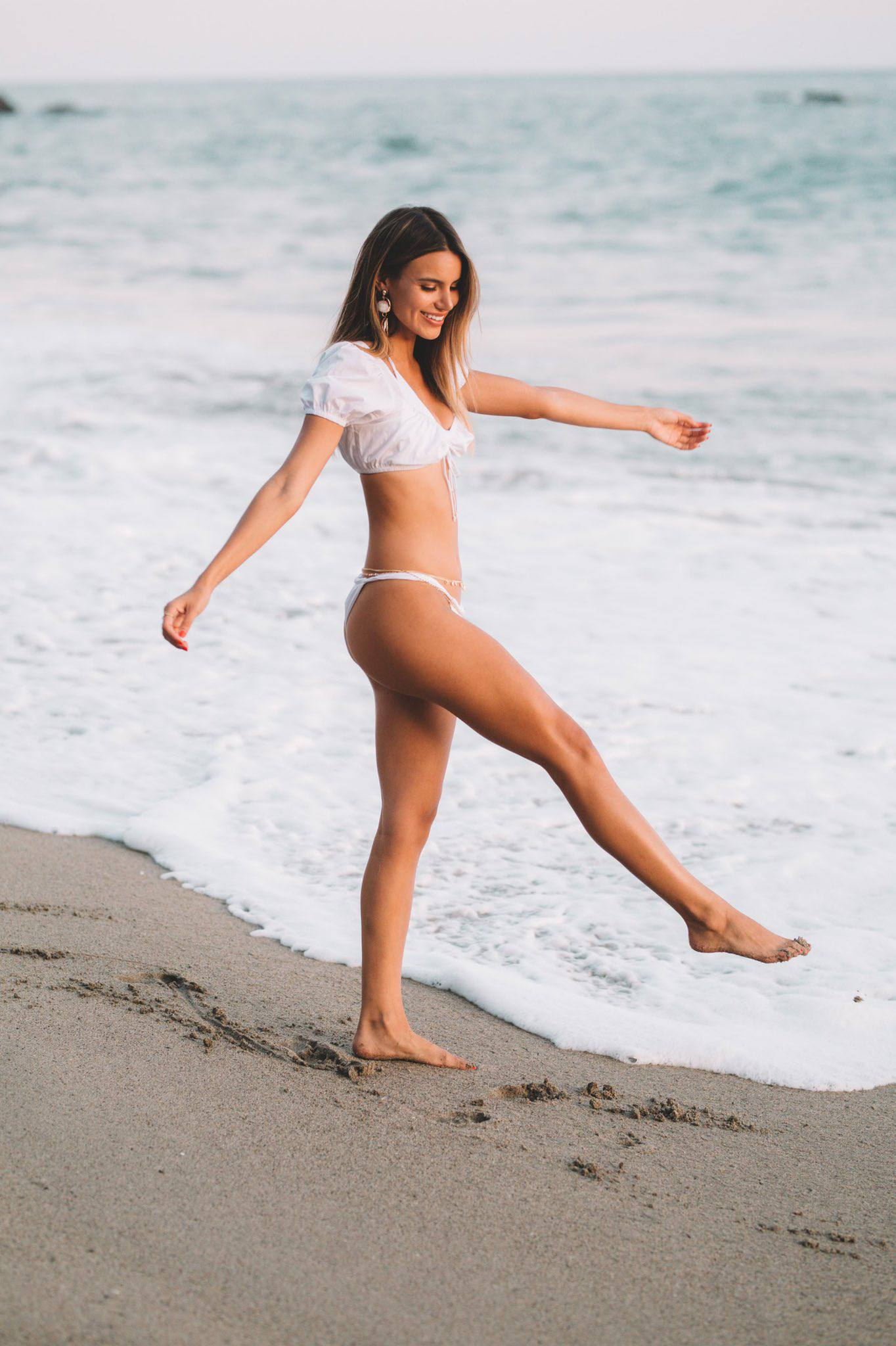 Madison Reed Sexy Body In Beach Photoshoot By Daniel Poplawsky 0004
