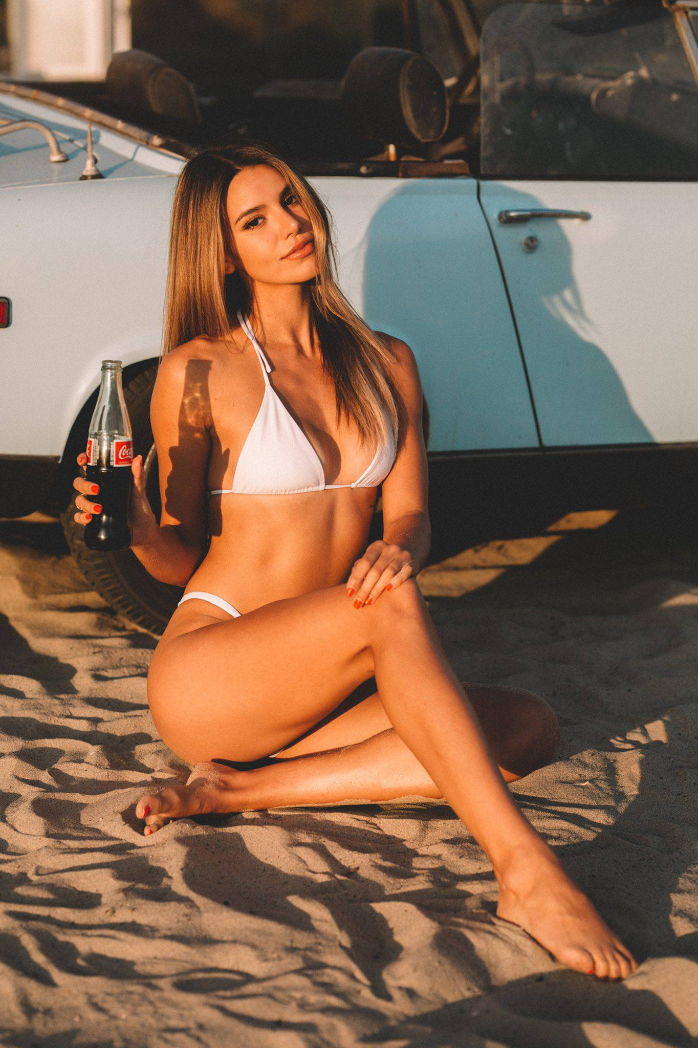Madison Reed Sexy Body In Beach Photoshoot By Daniel Poplawsky 0007