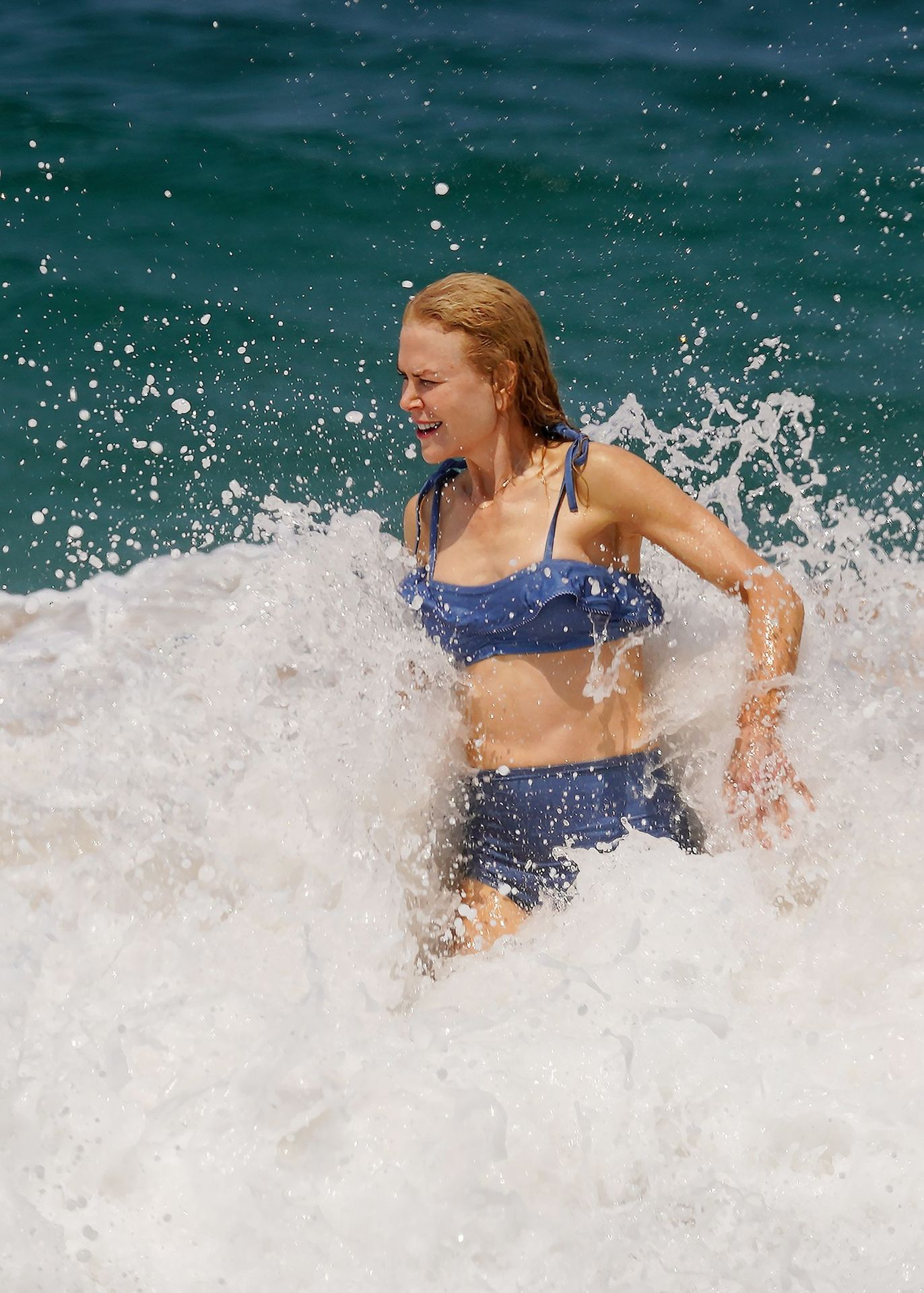 Nicole Kidman Hits The Beach While In Sydney With Her Family 0021