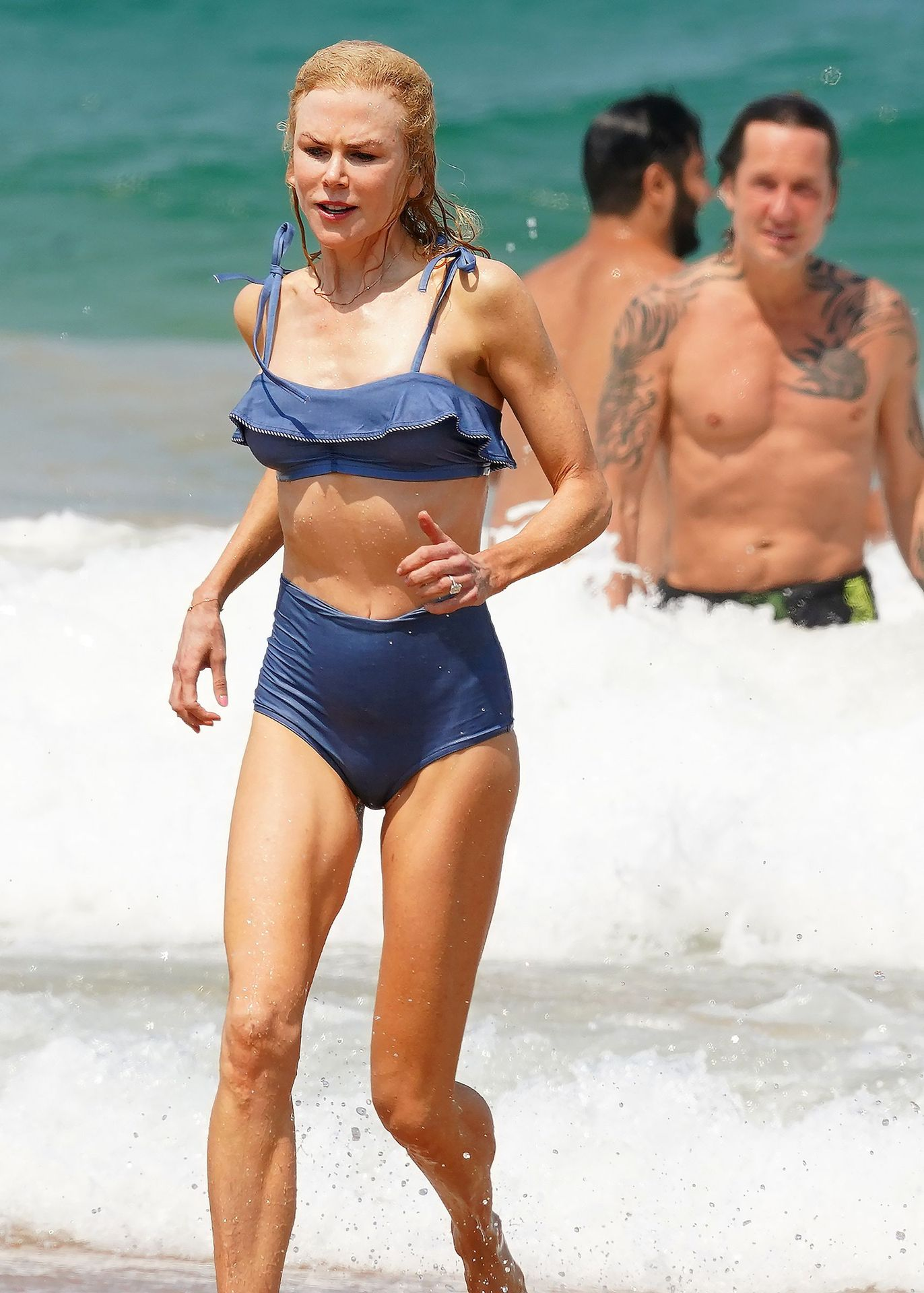 Nicole Kidman Hits The Beach While In Sydney With Her Family 0024
