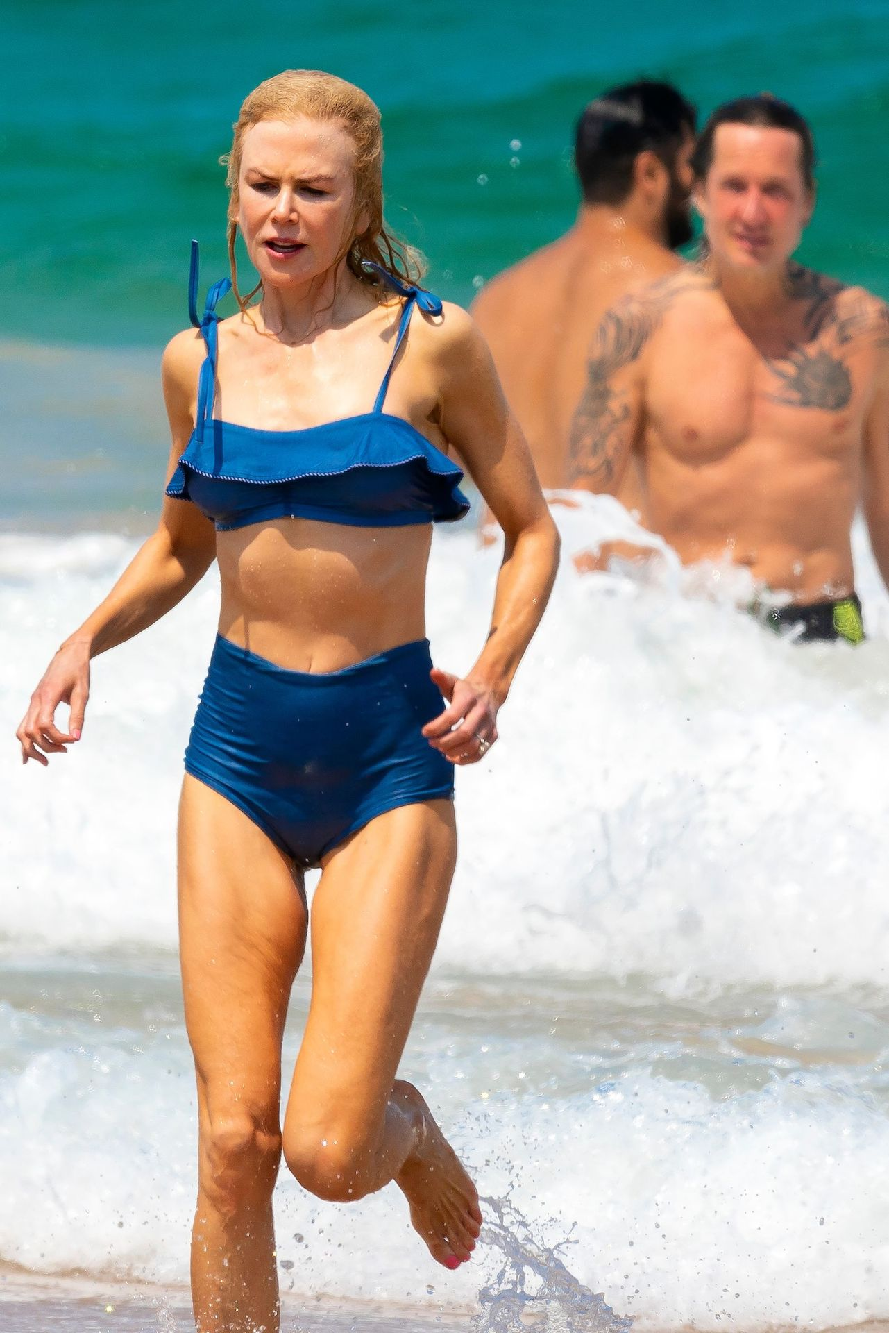 Nicole Kidman Hits The Beach While In Sydney With Her Family 0027