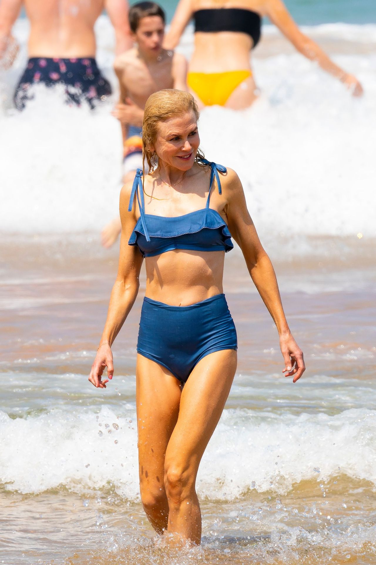 Nicole Kidman Hits The Beach While In Sydney With Her Family 0050