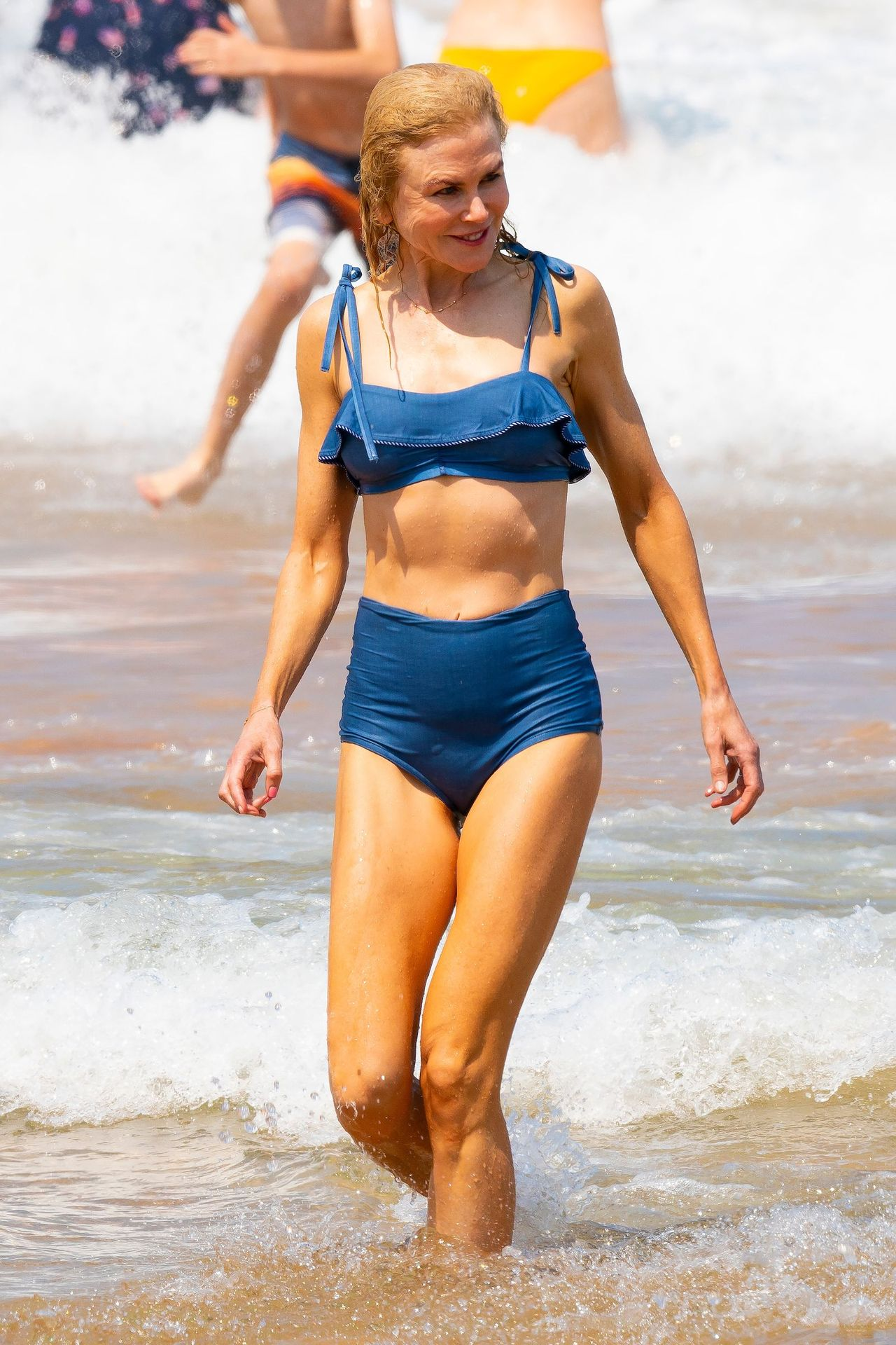 Nicole Kidman Hits The Beach While In Sydney With Her Family 0052